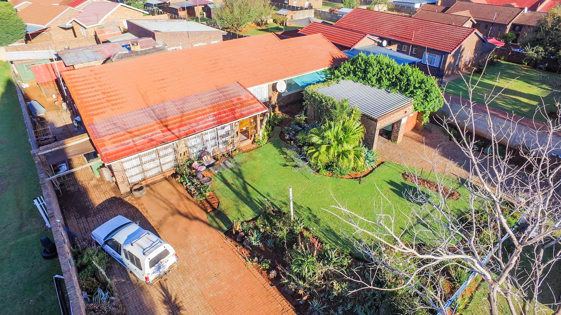 3 BedroomHouse For Sale In Dennesig