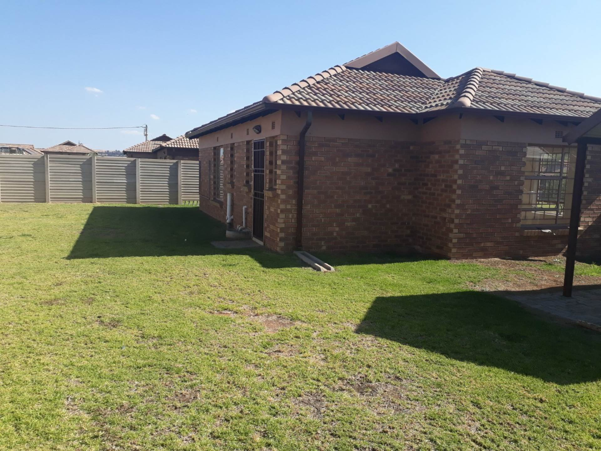 2 BedroomHouse For Sale In Clayville