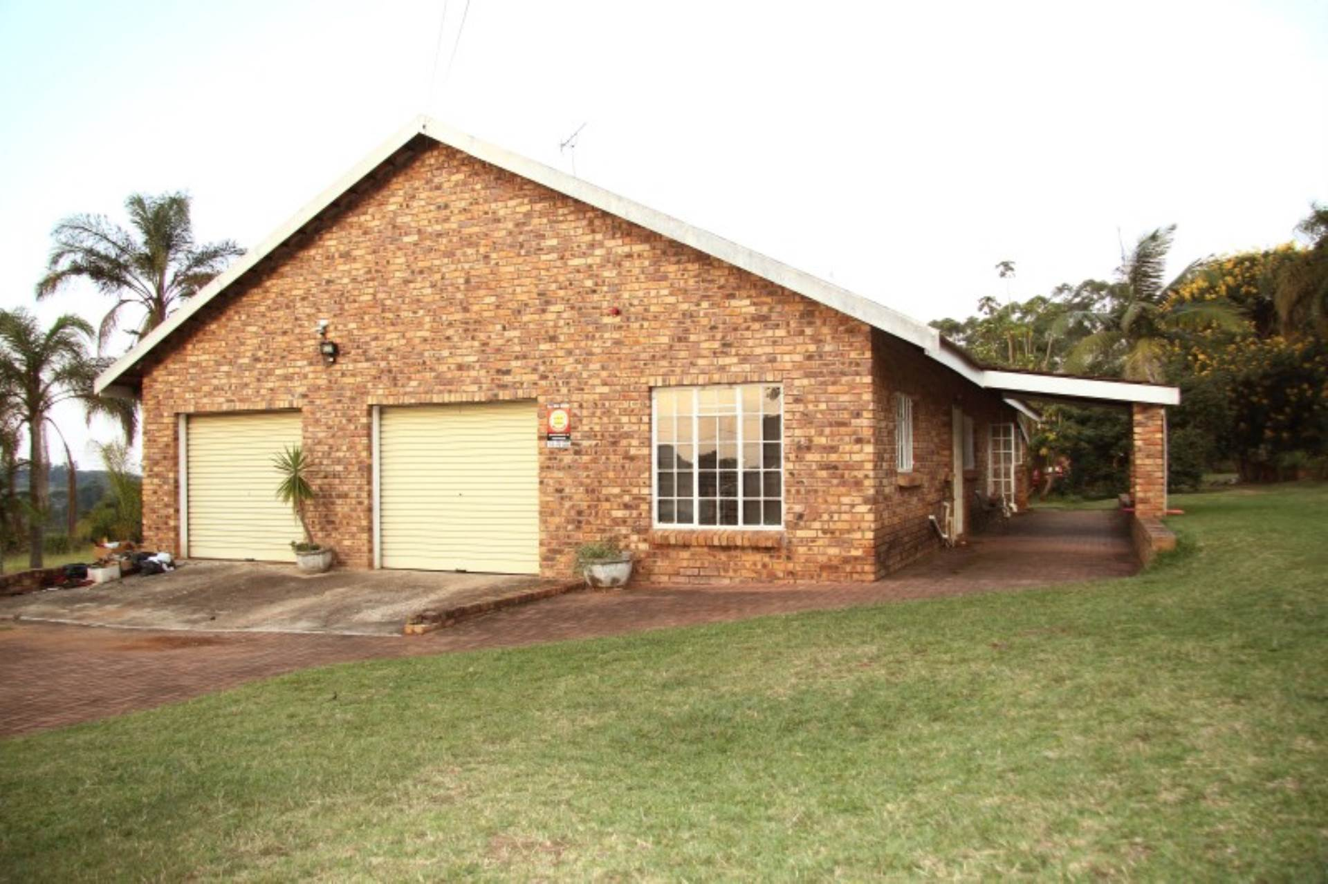 12 BedroomFarm For Sale In White River & Ext