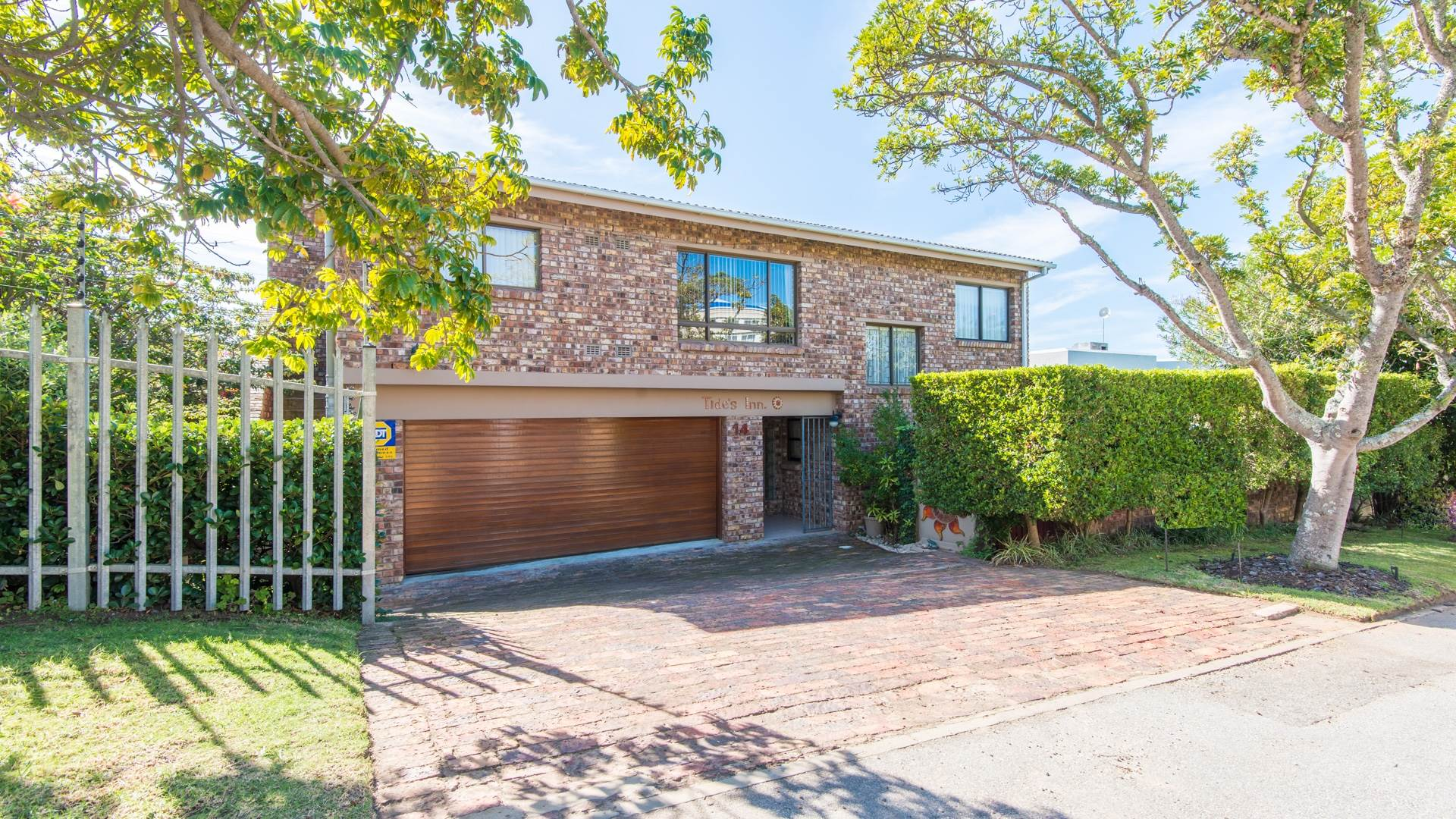 4 BedroomHouse For Sale In Hill View