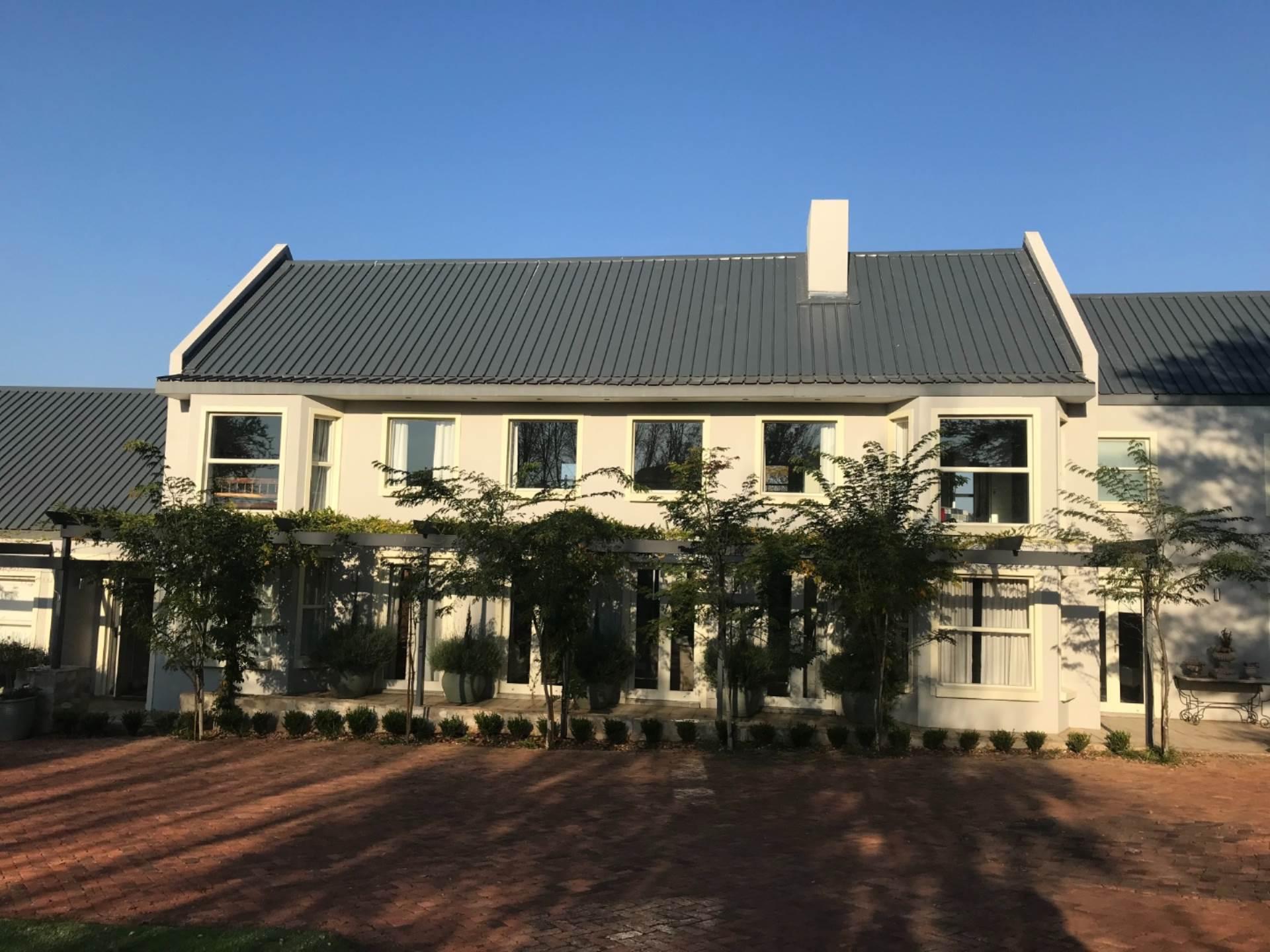, House, 5 Bedrooms - ZAR 8,800,000
