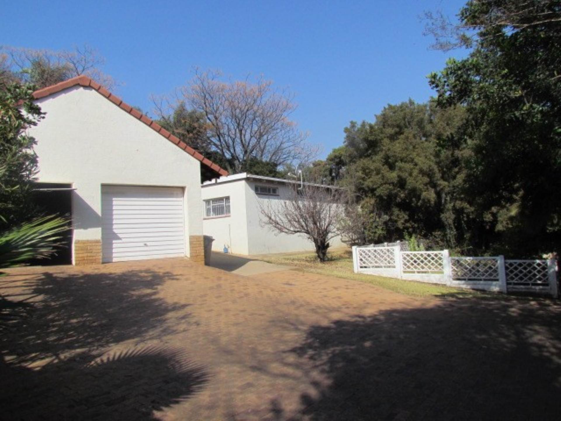 Property and Houses for sale in Waterkloof Ridge Ext 2, House, 3 Bedrooms - ZAR 2,350,000