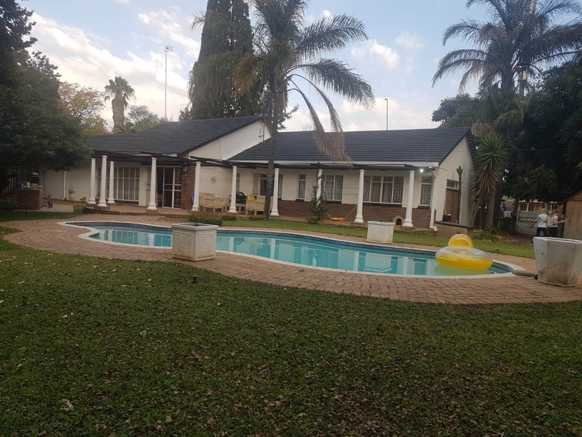 3 BedroomHouse For Sale In Eduan Park