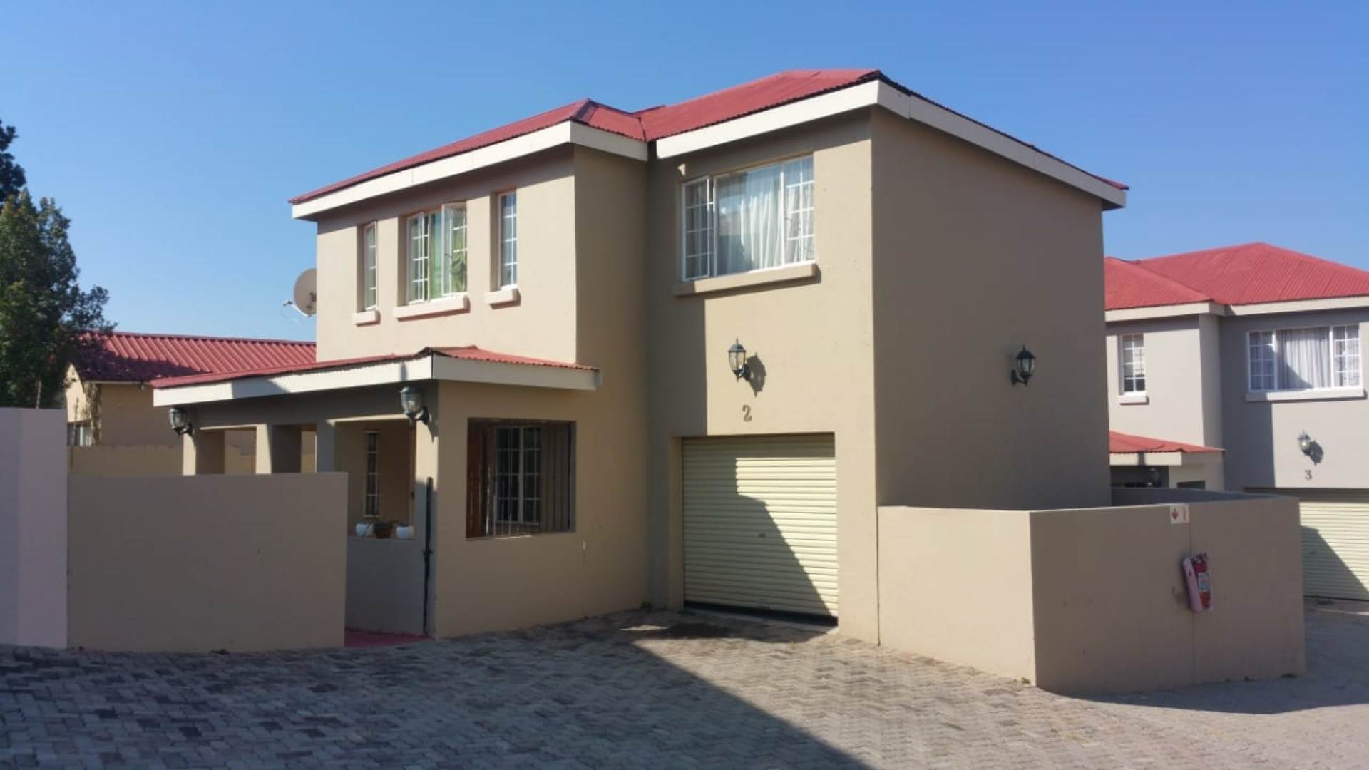 3 BedroomTownhouse For Sale In Krugersdorp North