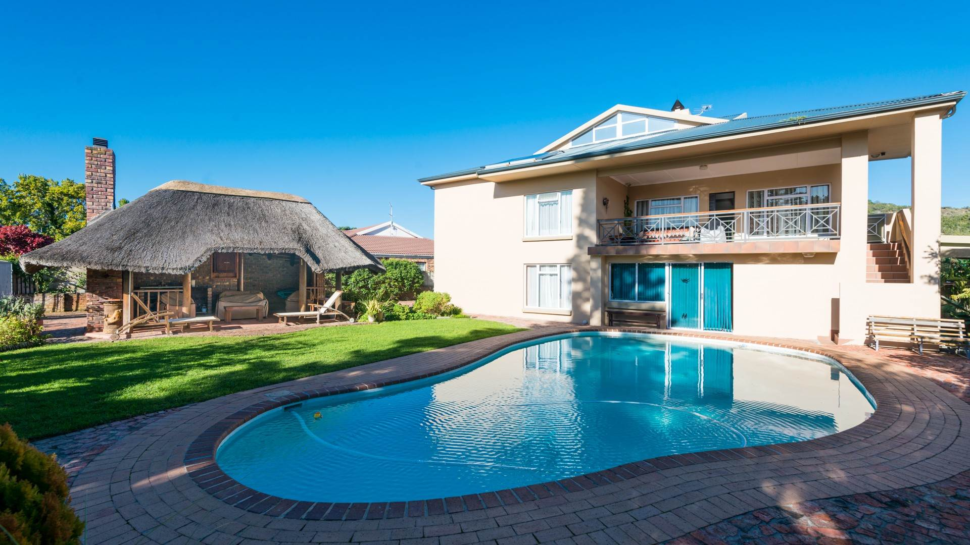 6 BedroomHouse For Sale In The Island