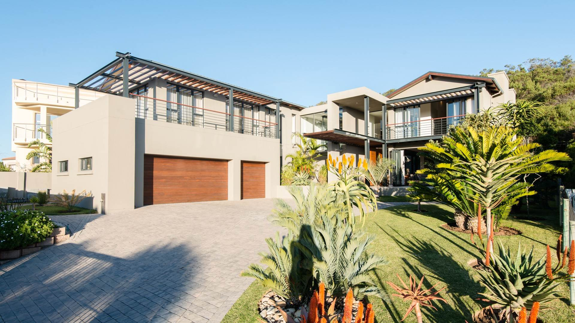 3 BedroomHouse For Sale In Cola Beach