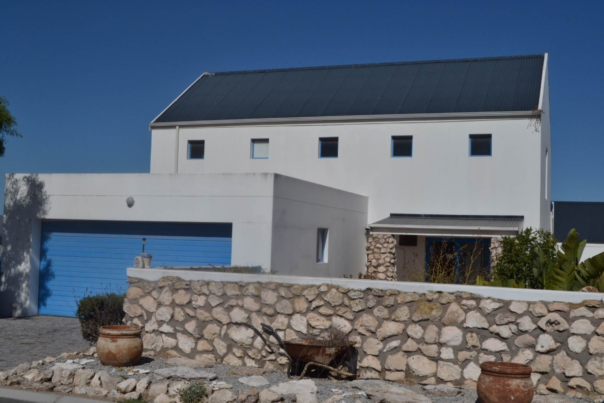 3 BedroomHouse For Sale In Blue Lagoon