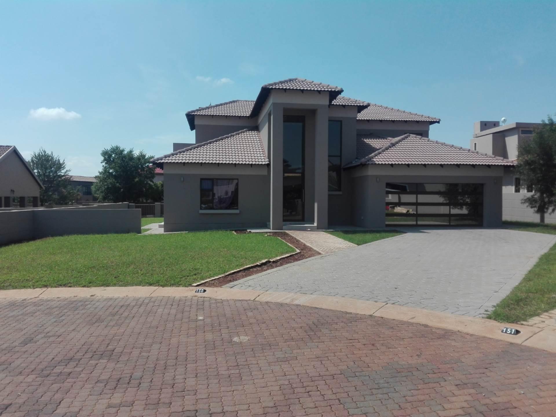 4 BedroomHouse Pending Sale In Monavoni