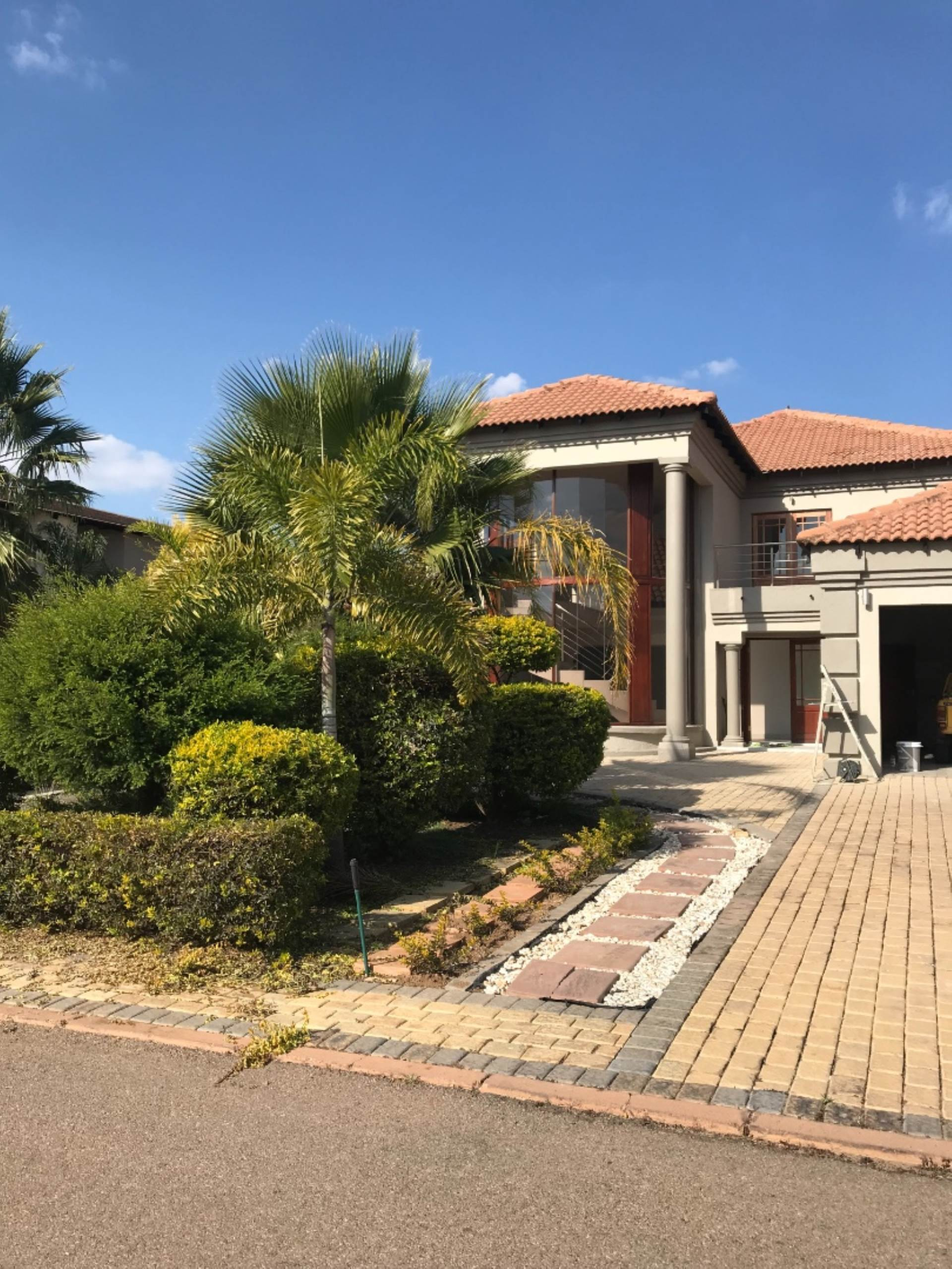 Property and Houses for sale in Willow Acres Estate, House, 5 Bedrooms - ZAR 3,650,000