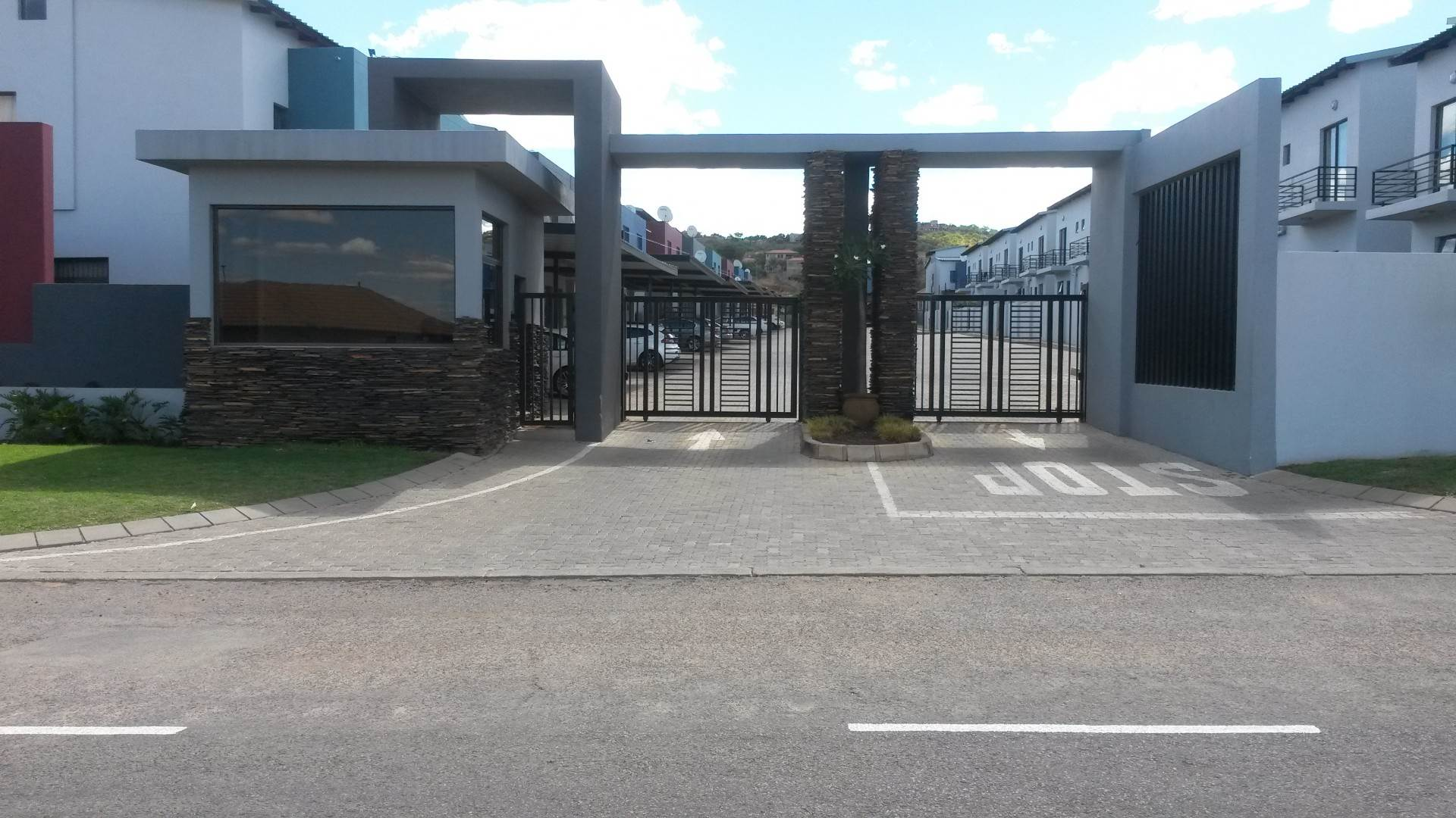 3 BedroomTownhouse For Sale In Cashan Ext 33