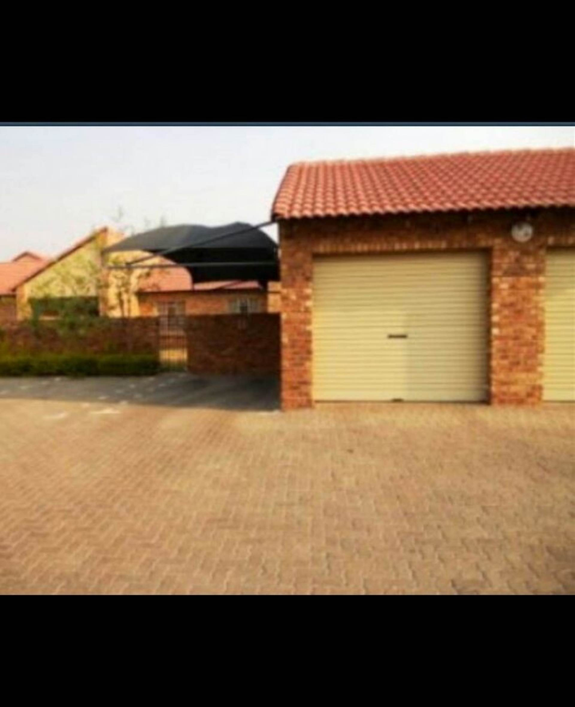 2 BedroomTownhouse To Rent In Theresapark