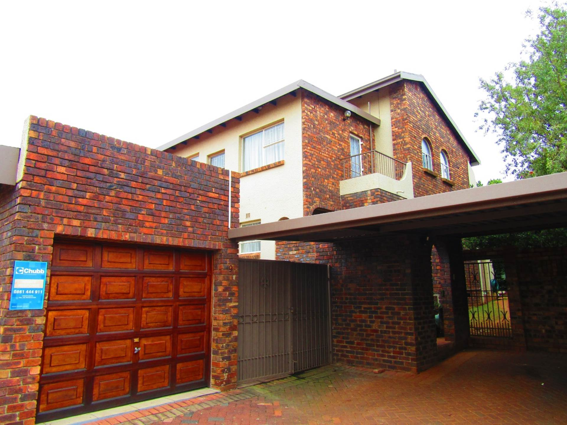 4 BedroomTownhouse For Sale In Bruma
