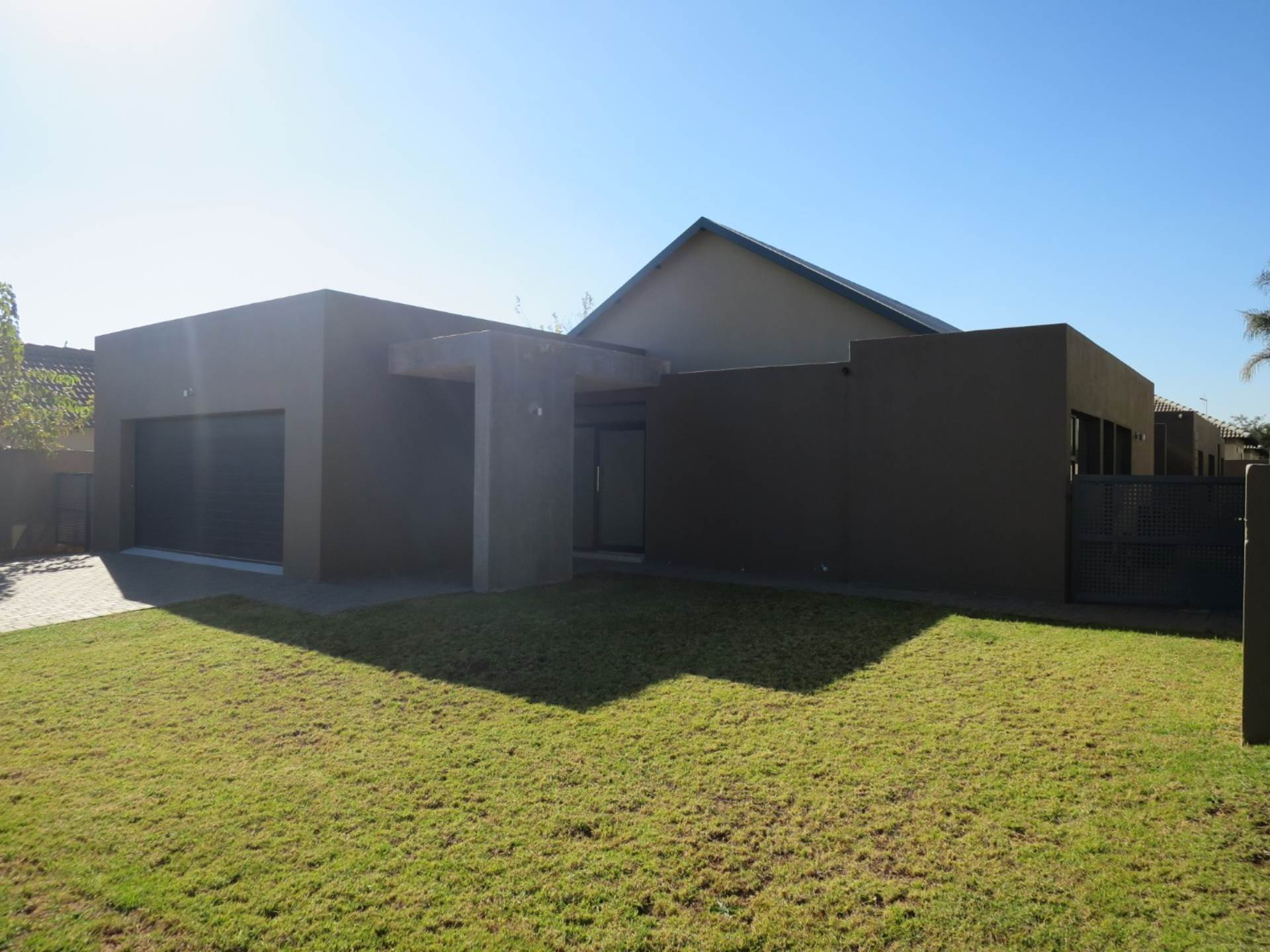 3 BedroomHouse For Sale In The Meadows