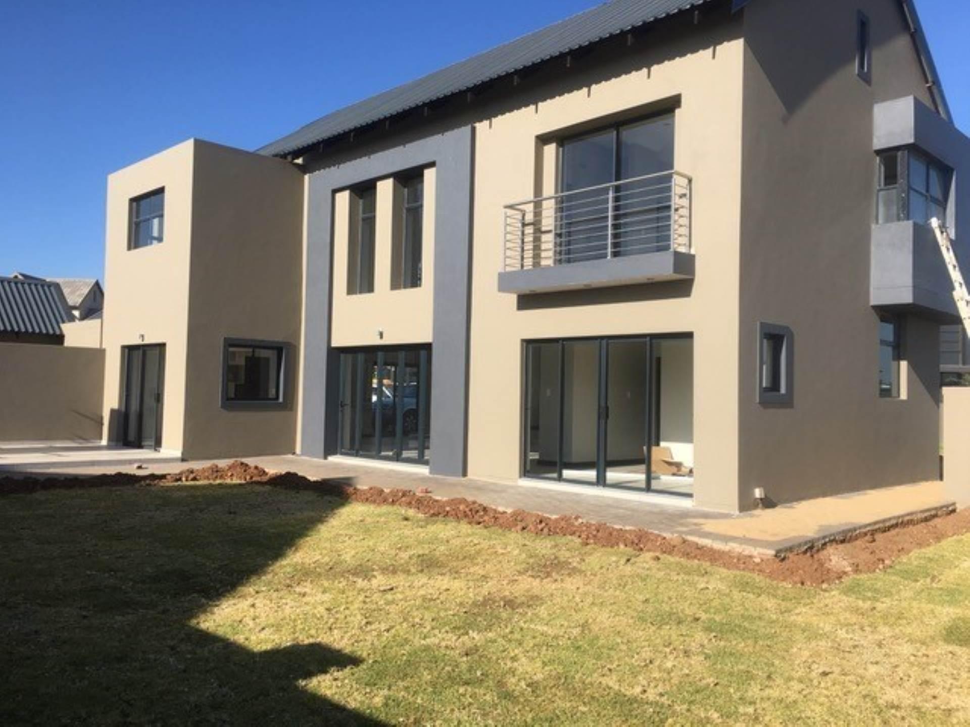 4 BedroomHouse To Rent In Midstream Ridge