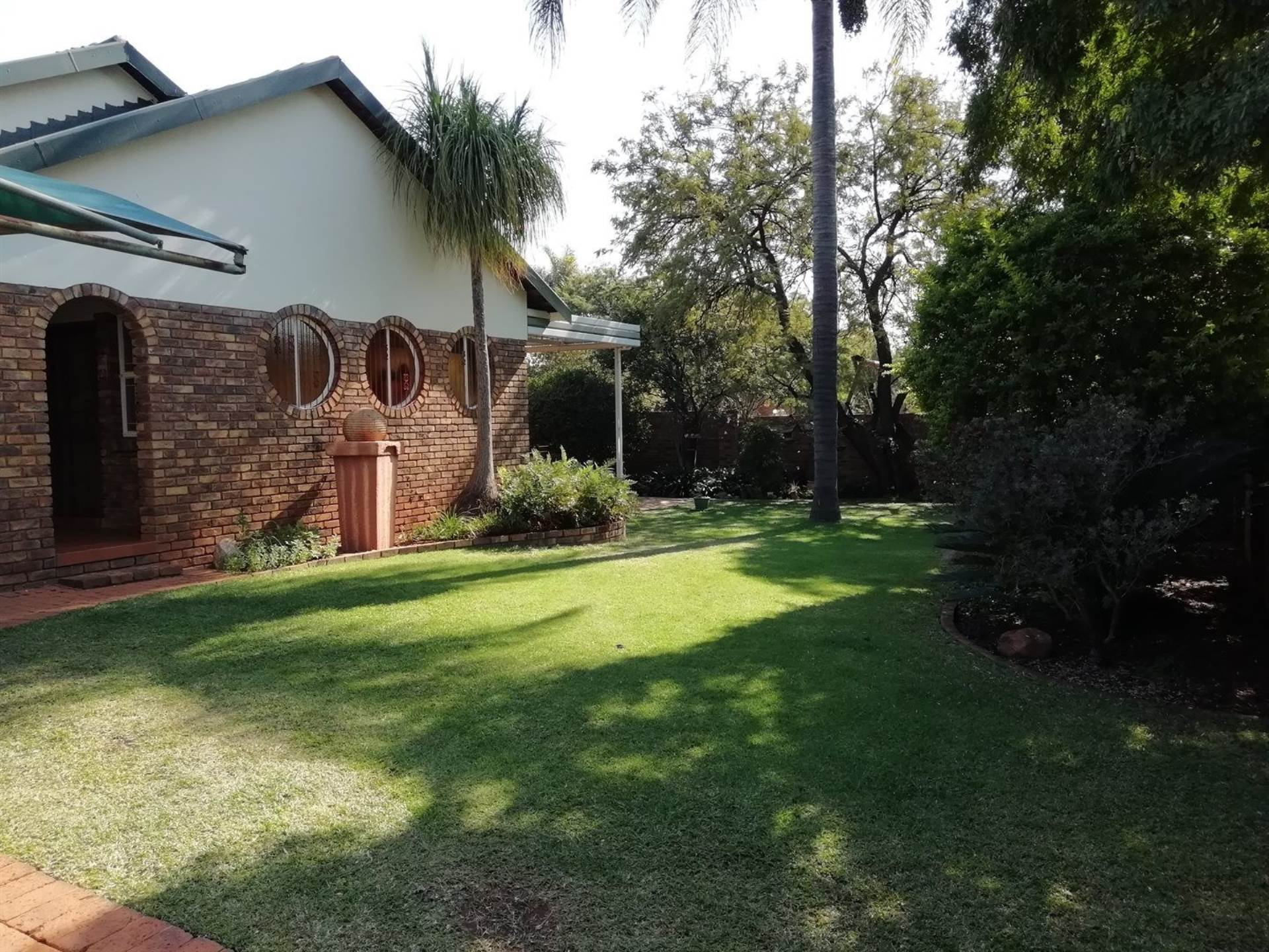 Property and Houses for sale in Karenpark, House, 4 Bedrooms - ZAR 1,350,000