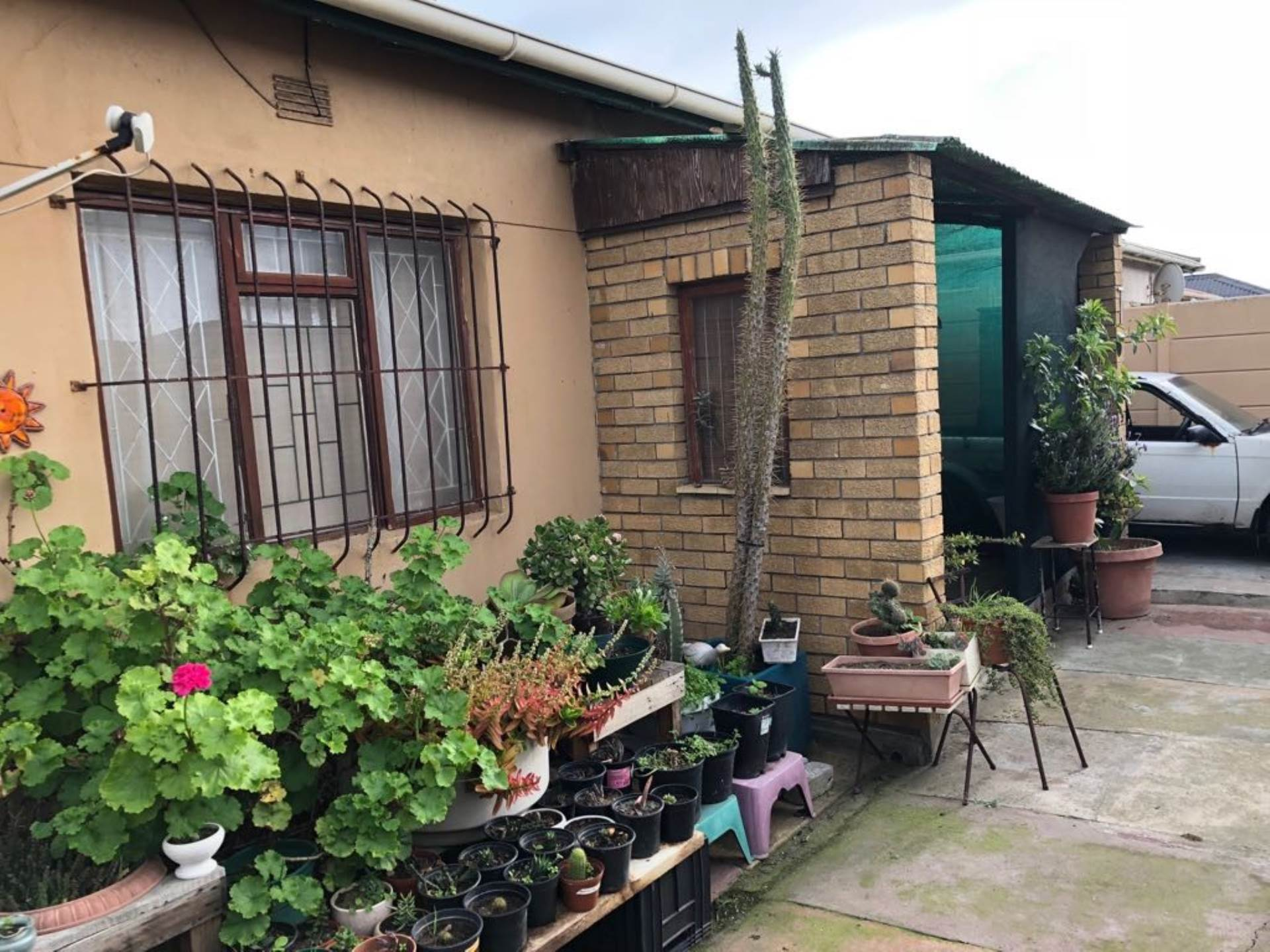 Property and Houses for sale in Ysterplaat, House, 1 Bedrooms - ZAR 1,100,000