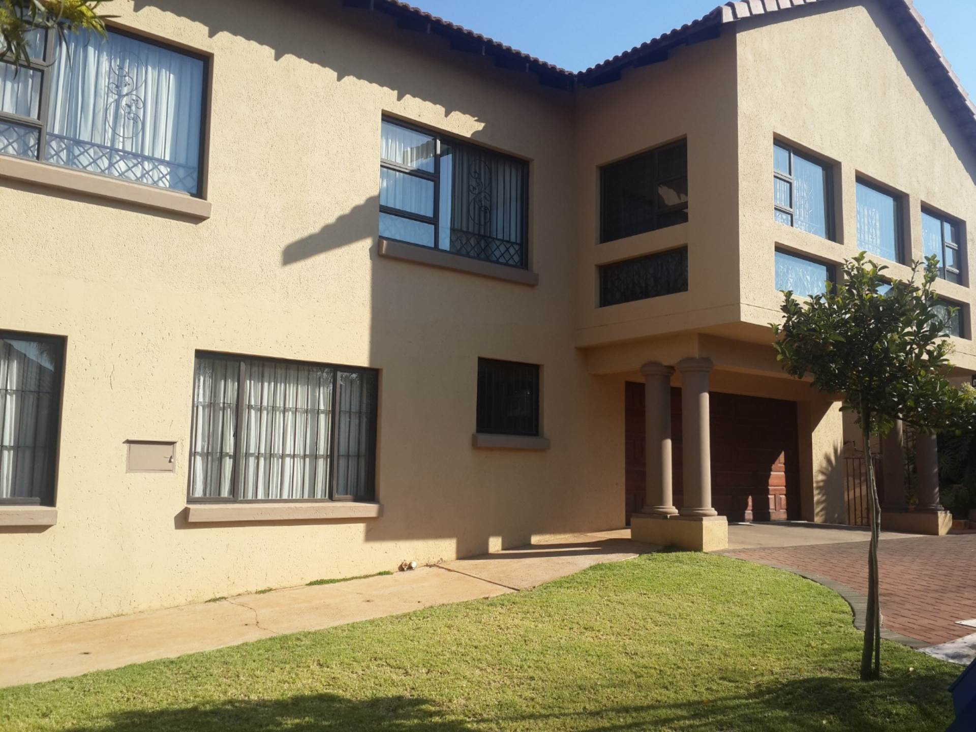 Property and Houses for sale in Highveld, House, 5 Bedrooms - ZAR 2,990,000