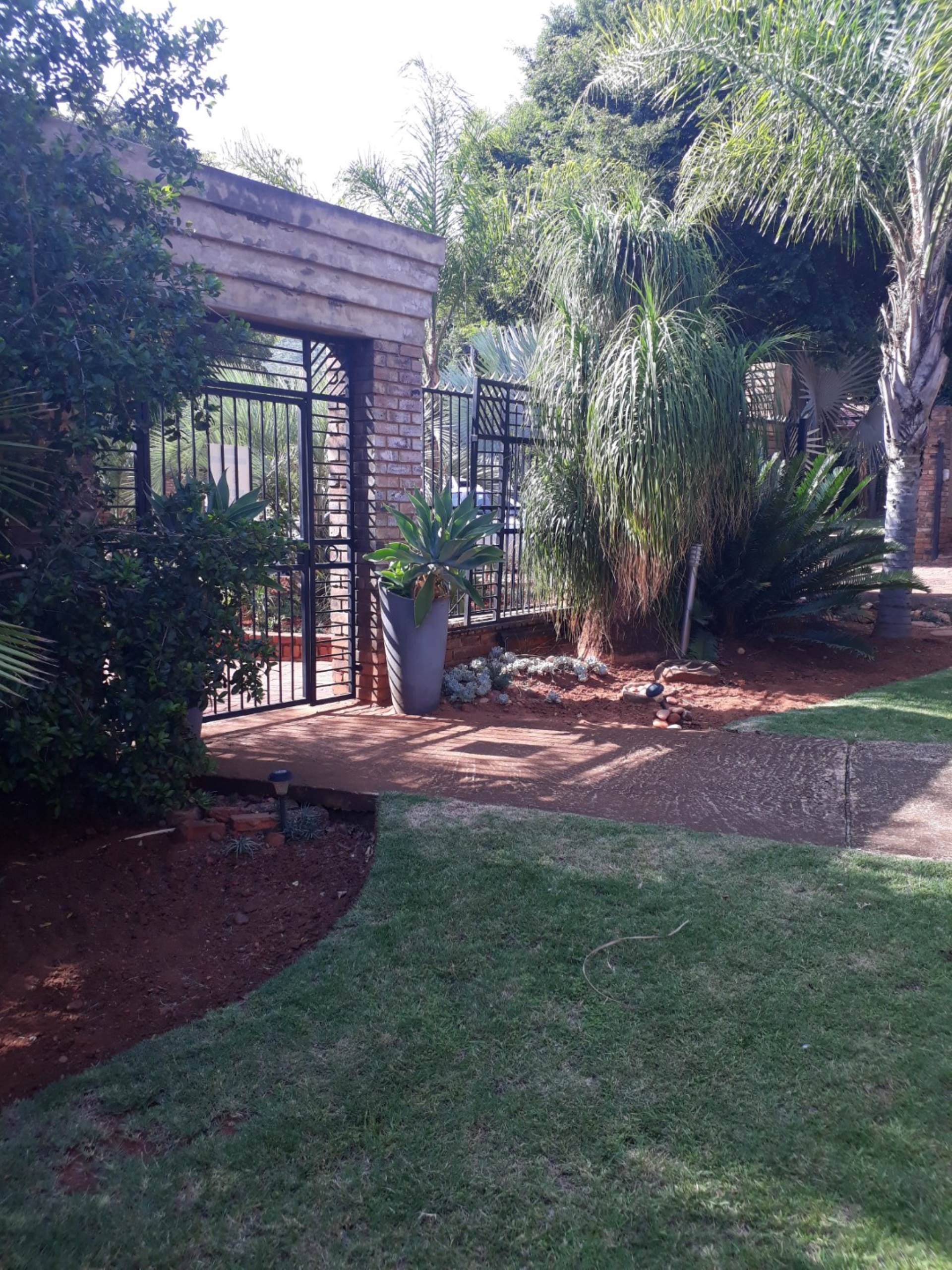 Pretoria, Sinoville Property  | Houses For Sale Sinoville, SINOVILLE, House 5 bedrooms property for sale Price:2,050,000