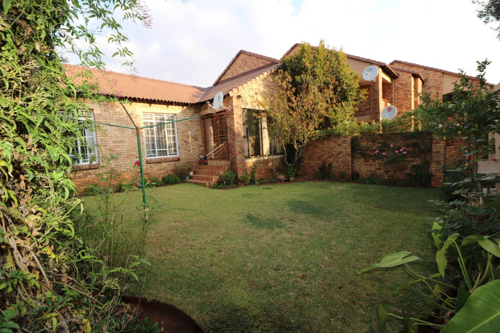 Pretoria, Mooikloof Ridge Property  | Houses For Sale Mooikloof Ridge, MOOIKLOOF RIDGE, Townhouse 3 bedrooms property for sale Price:1,149,000