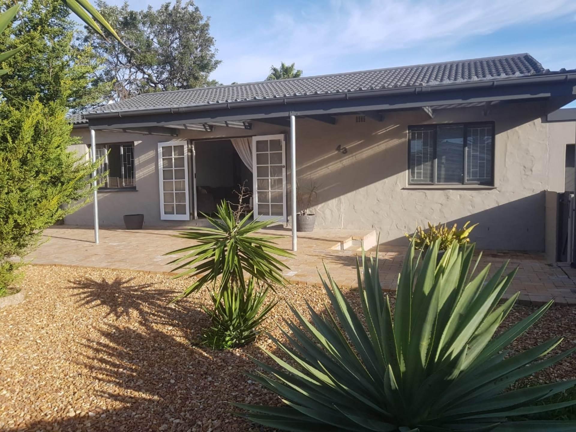 Milnerton, Bothasig Property    Houses For Sale Bothasig, BOTHASIG, House 3 bedrooms property for sale Price:2,395,000