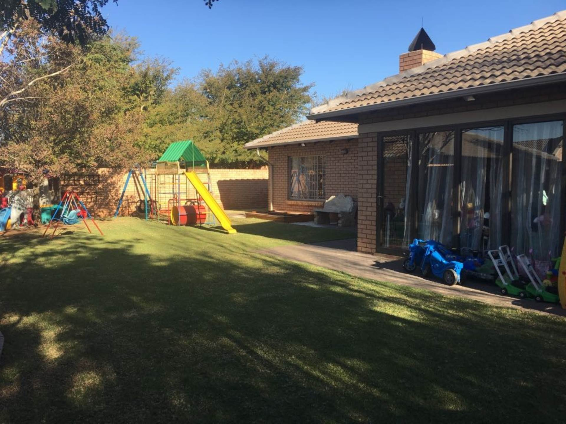 Property and Houses for sale in Rooihuiskraal, Townhouse, 3 Bedrooms - ZAR 1,950,000