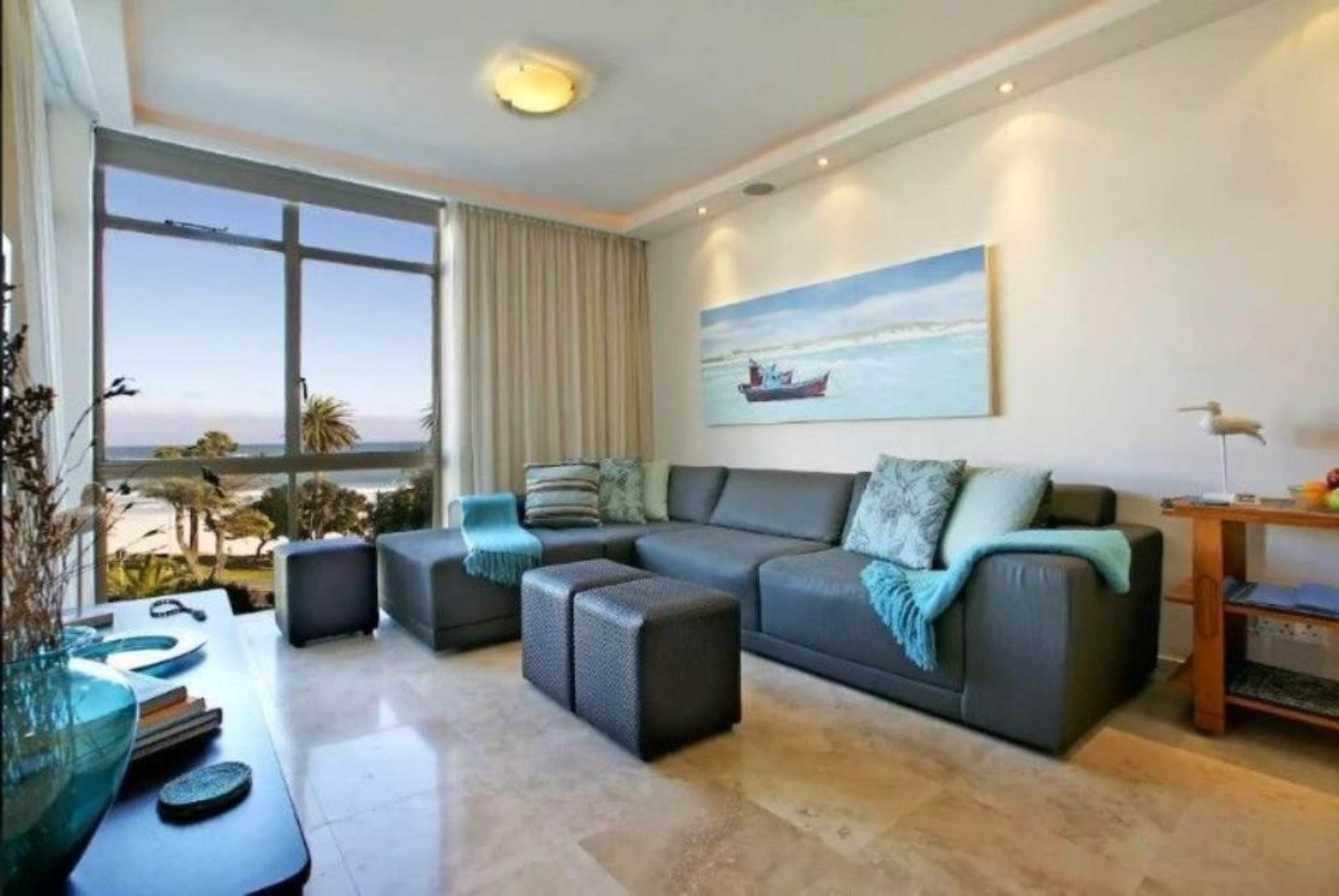 Camps Bay property to rent. Ref No: 13647640. Picture no 4