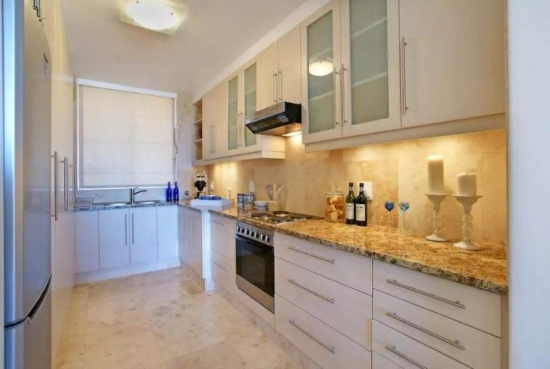 Camps Bay property to rent. Ref No: 13647640. Picture no 2