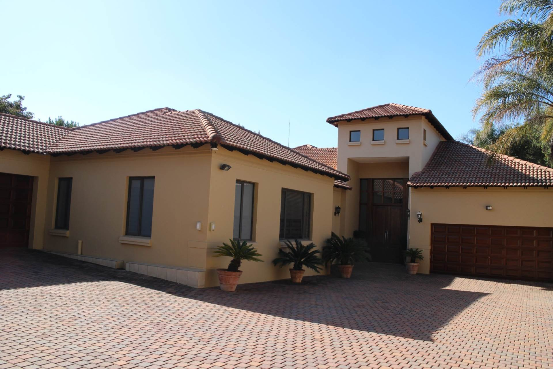 Property and Houses for sale in Waterkloof Ridge, House, 4 Bedrooms - ZAR 9,600,000