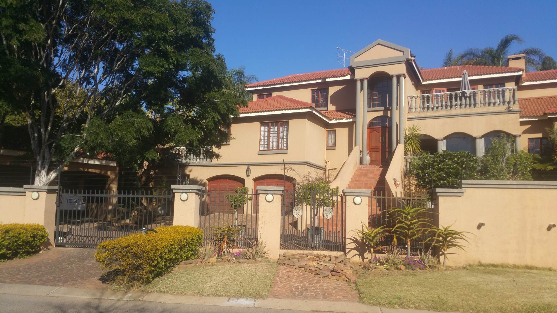 Property and Houses for sale in Moreleta Park, House, 5 Bedrooms - ZAR 3,150,000