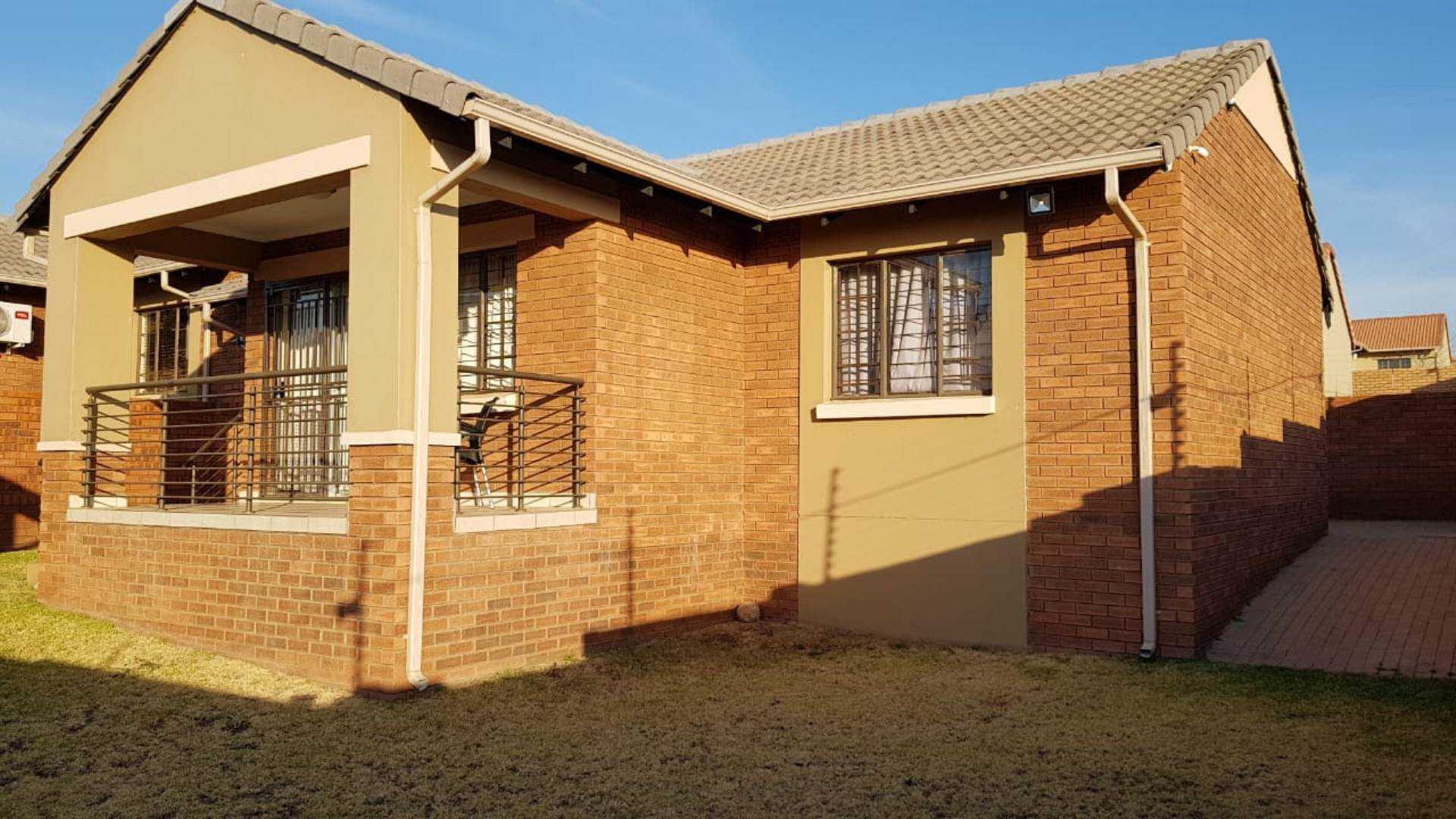 Property and Houses for sale in Mooikloof, Townhouse, 3 Bedrooms - ZAR 1,359,000