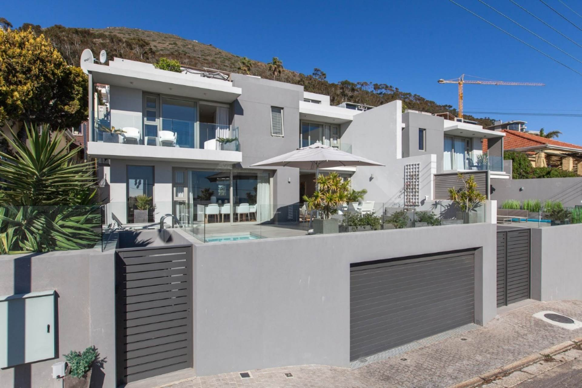 Cape Town, Green Point Property    Houses For Sale Green Point, GREEN POINT, House 3 bedrooms property for sale Price:14,500,000