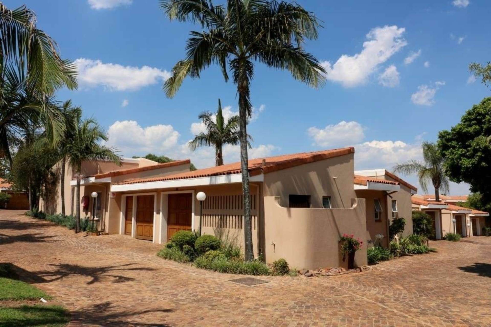 Property and Houses for sale in Lynnwood Manor, Townhouse, 3 Bedrooms - ZAR 1,870,000