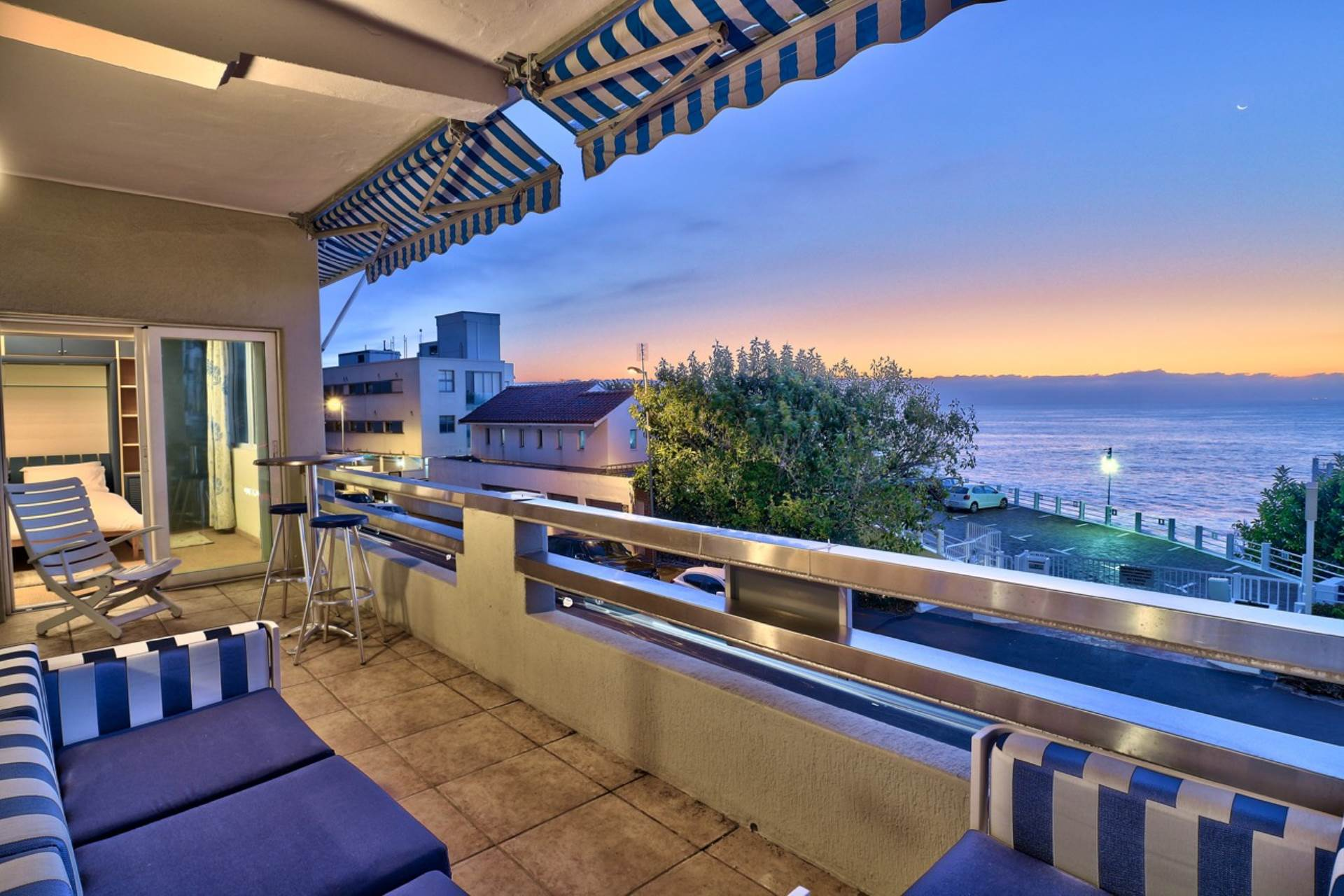 Property and Houses for sale in Clifton, Apartment, 2 Bedrooms - ZAR 12,995,000