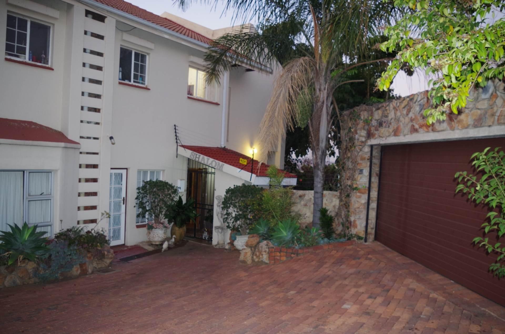 Pretoria, Val De Grace Property  | Houses For Sale Val De Grace, VAL DE GRACE, Townhouse 2 bedrooms property for sale Price:1,750,000