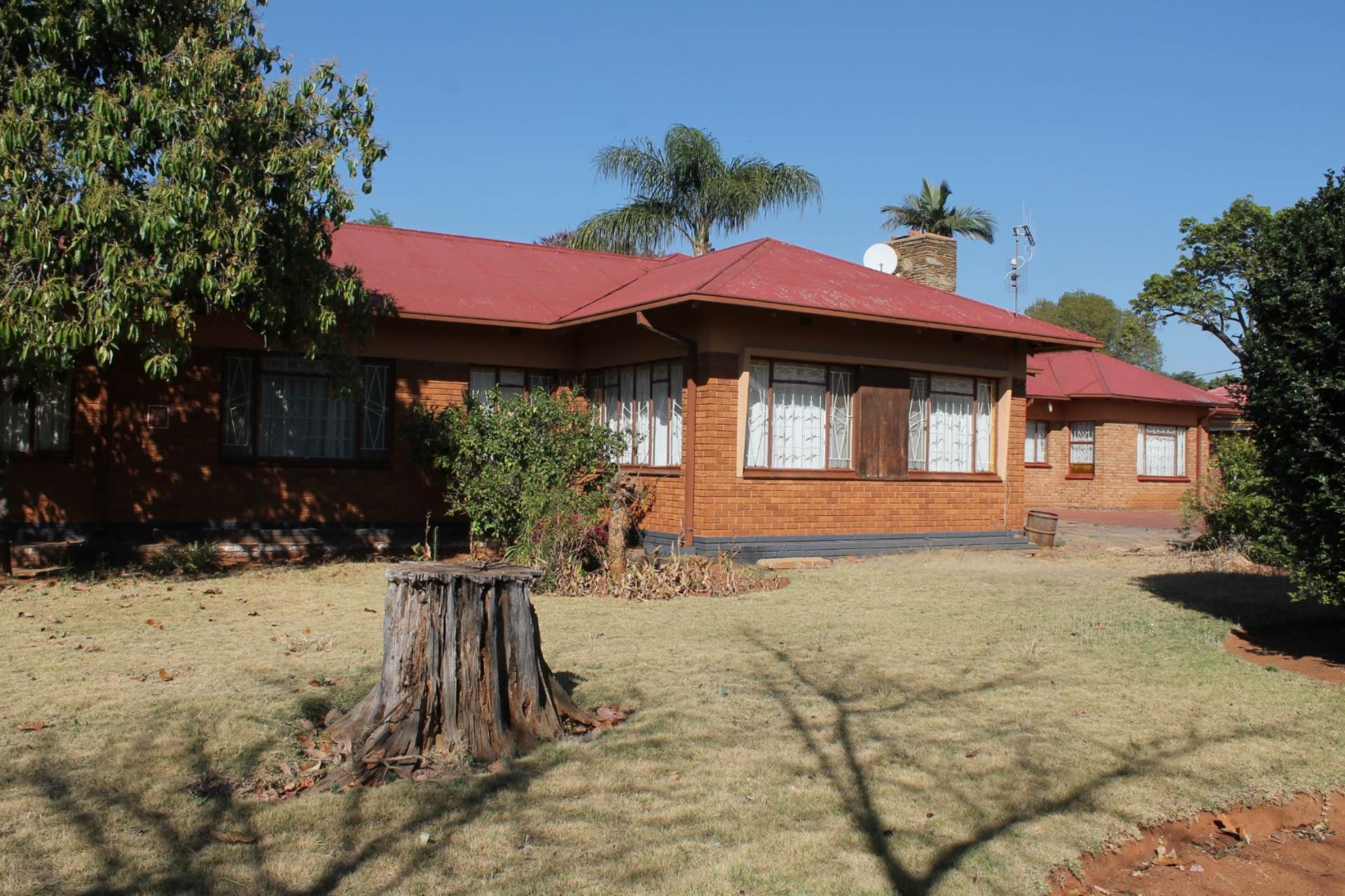 Property and Houses for sale in The Orchards, House, 6 Bedrooms - ZAR 1,350,000