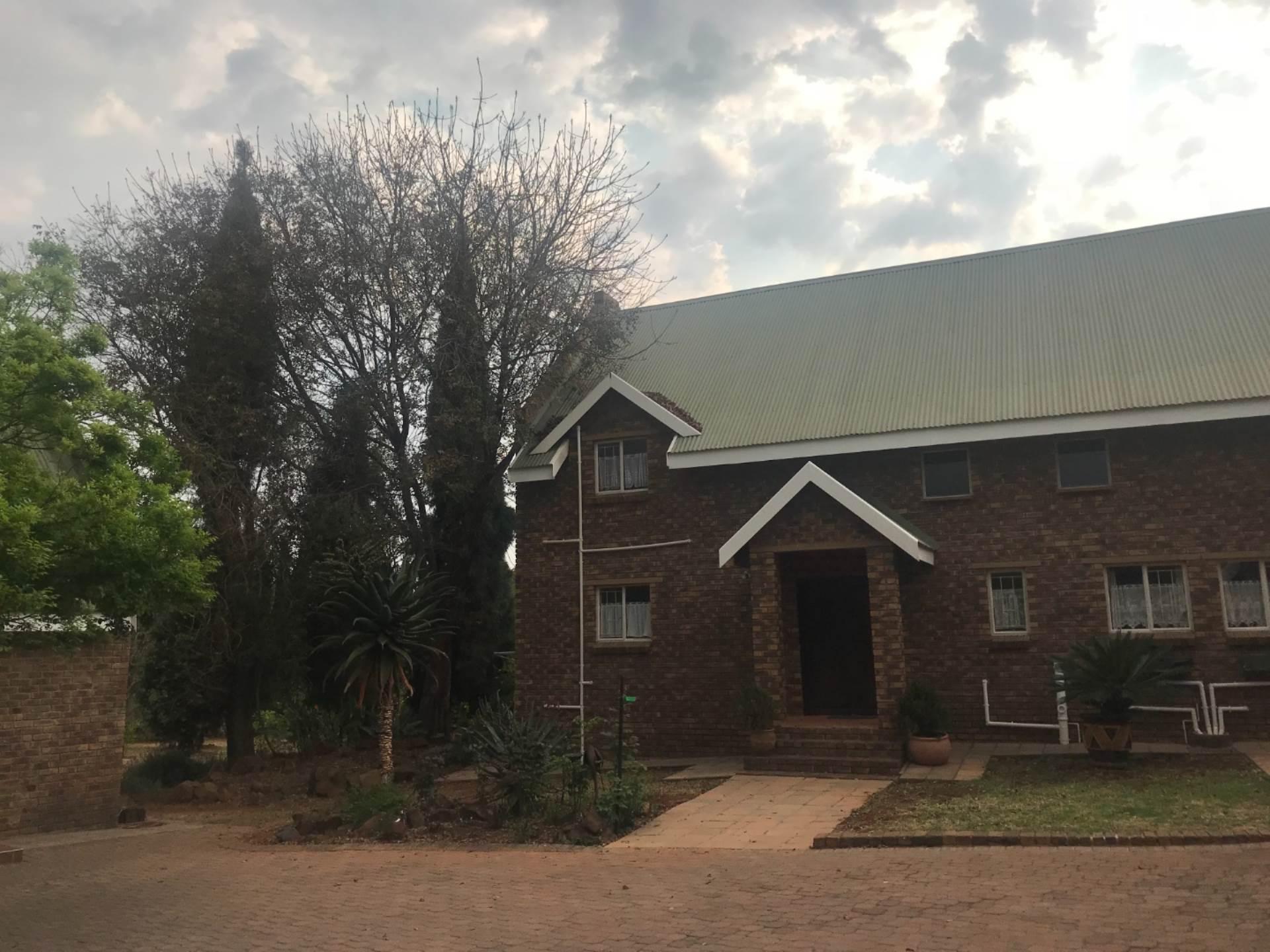 Pretoria, Mooikloof Equestrian Estate Property  | Houses For Sale Mooikloof Equestrian Estate, MOOIKLOOF EQUESTRIAN ESTATE, House 2 bedrooms property for sale Price:3,800,000