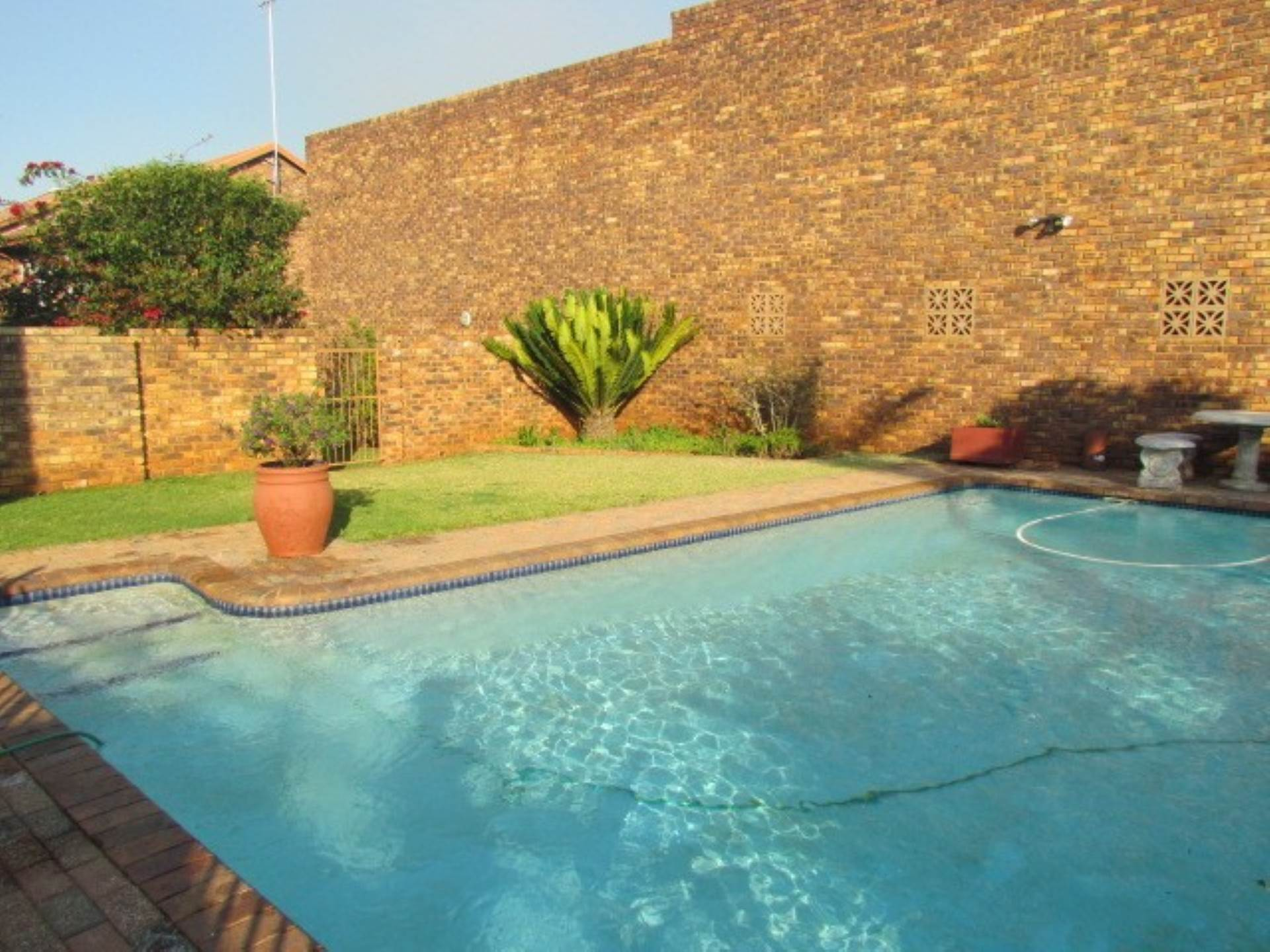 Pretoria, Monument Park Ext 2 Property  | Houses For Sale Monument Park Ext 2, MONUMENT PARK Ext 2, Townhouse 2 bedrooms property for sale Price:890,000