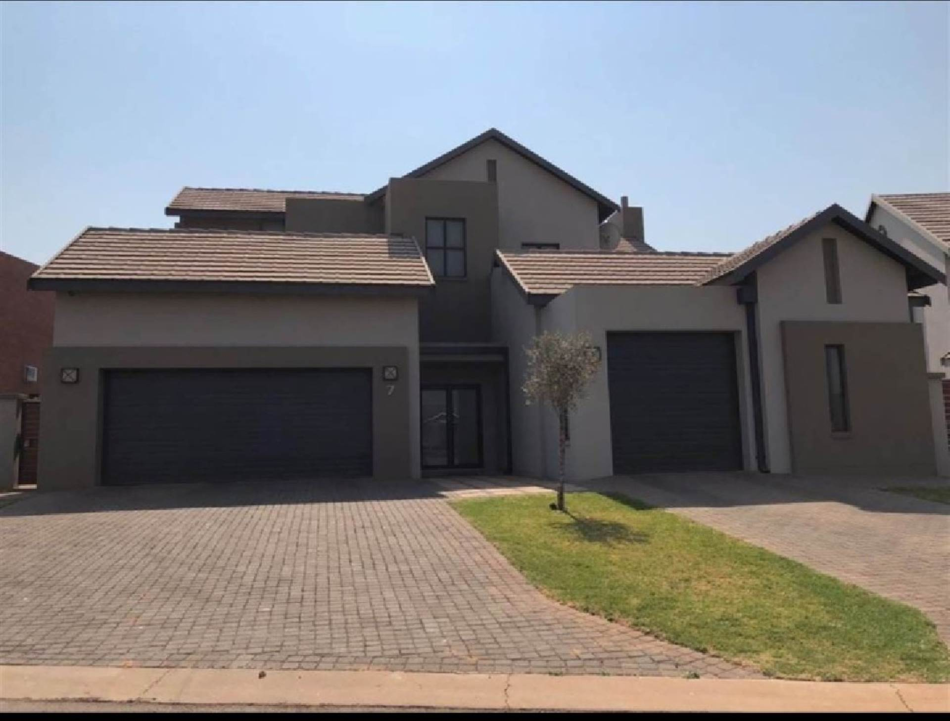 Property and Houses for sale in Midstream Ridge, House, 4 Bedrooms - ZAR 5,400,000