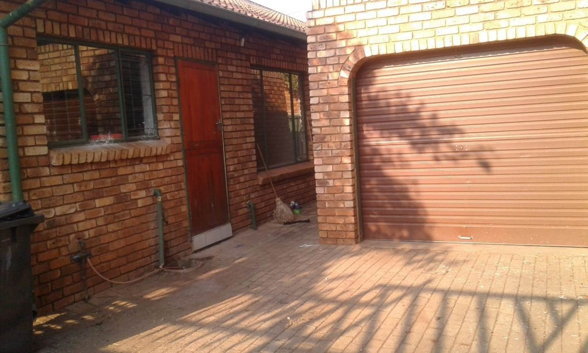 Property and Houses for sale in Hesteapark, Townhouse, 3 Bedrooms - ZAR 795,000