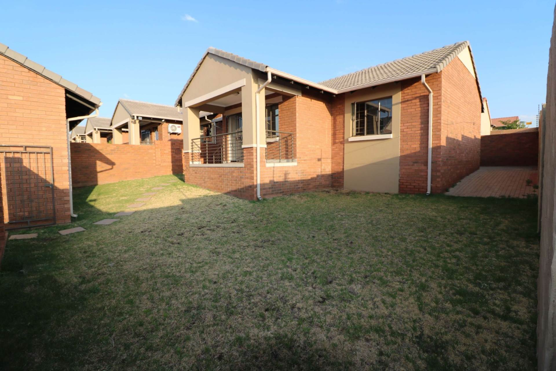 Pretoria, Mooikloof Ridge Property  | Houses For Sale Mooikloof Ridge, MOOIKLOOF RIDGE, Townhouse 3 bedrooms property for sale Price:1,340,000