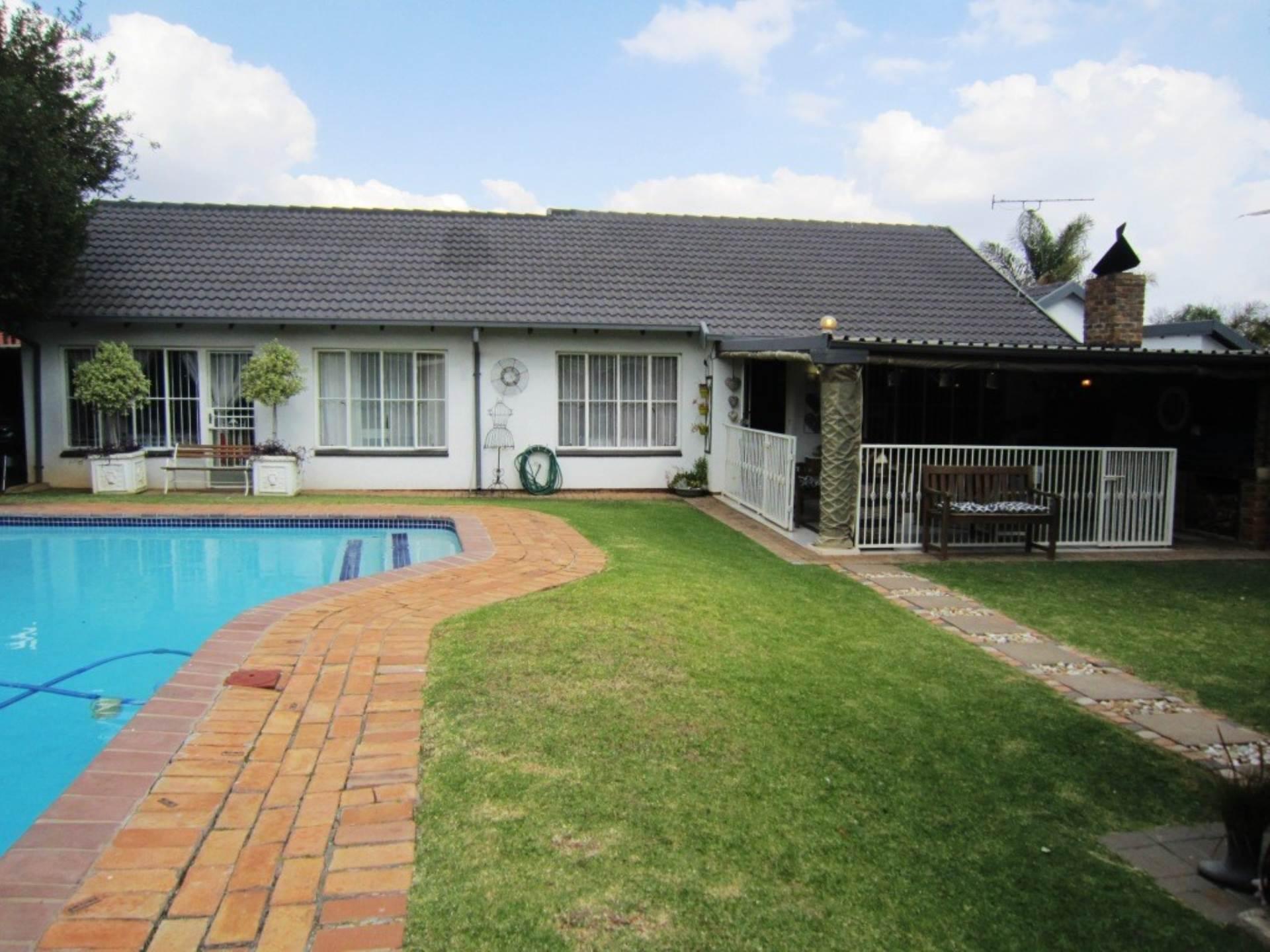 , House, 4 Bedrooms - ZAR 1,890,000