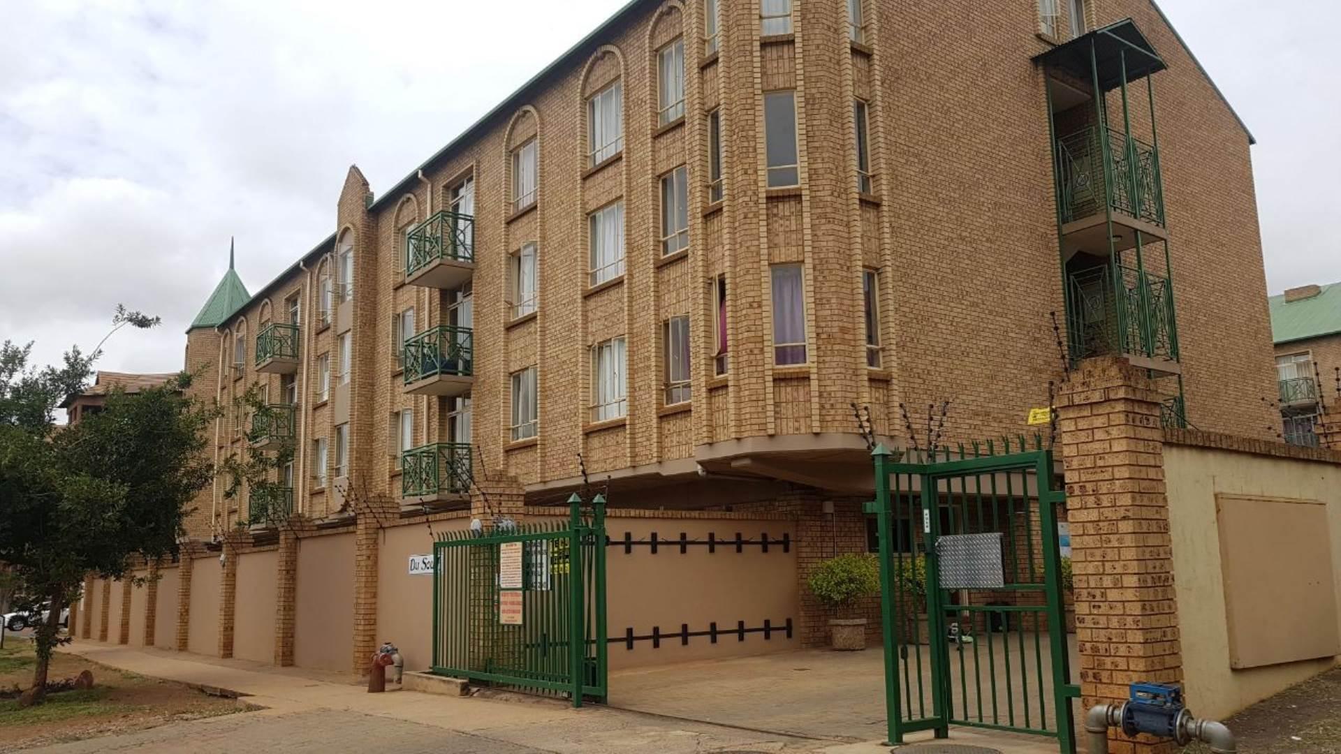 , Apartment, 2 Bedrooms - ZAR 990,000