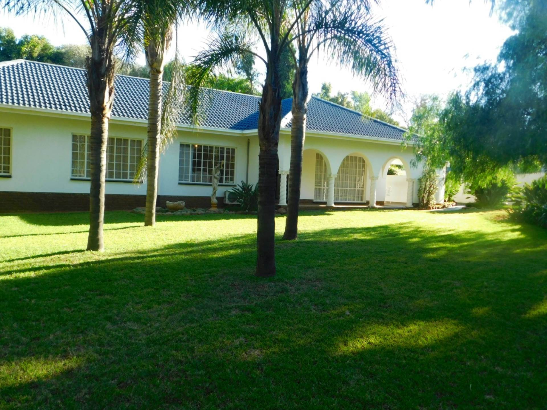 Property and Houses for sale in Die Wilgers, House, 3 Bedrooms - ZAR 2,160,000
