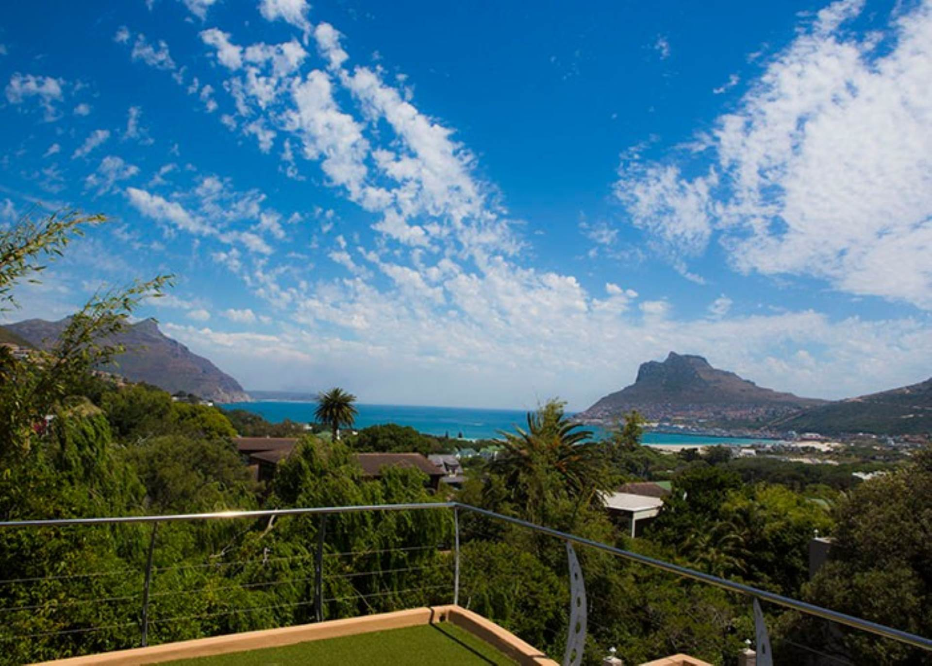 Property and Houses to rent in Hout Bay (All), House, 3 Bedrooms - ZAR , 23,00*,M