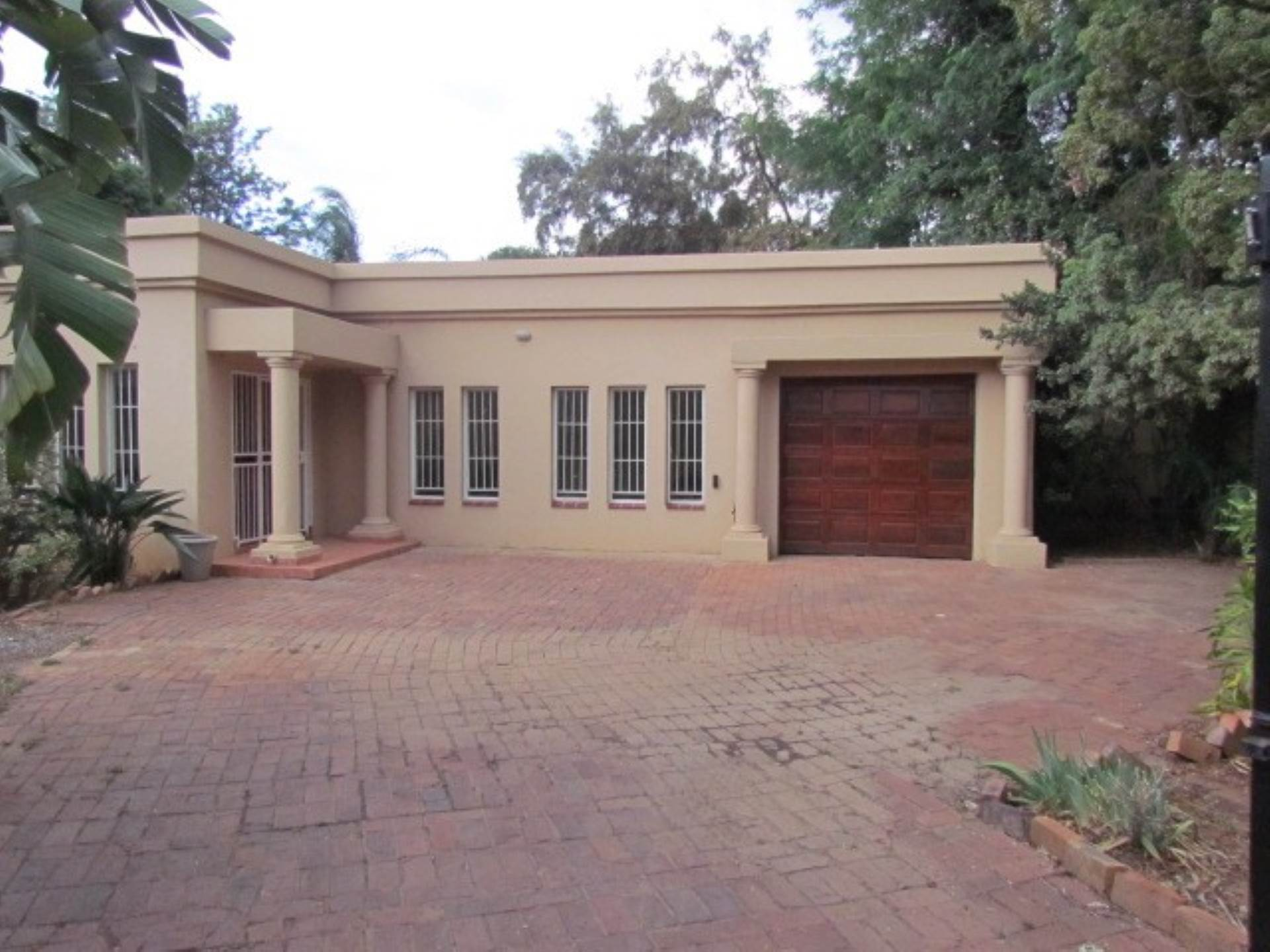 Property and Houses for sale in Waterkloof Ridge Ext 2, House, 4 Bedrooms - ZAR 2,695,000