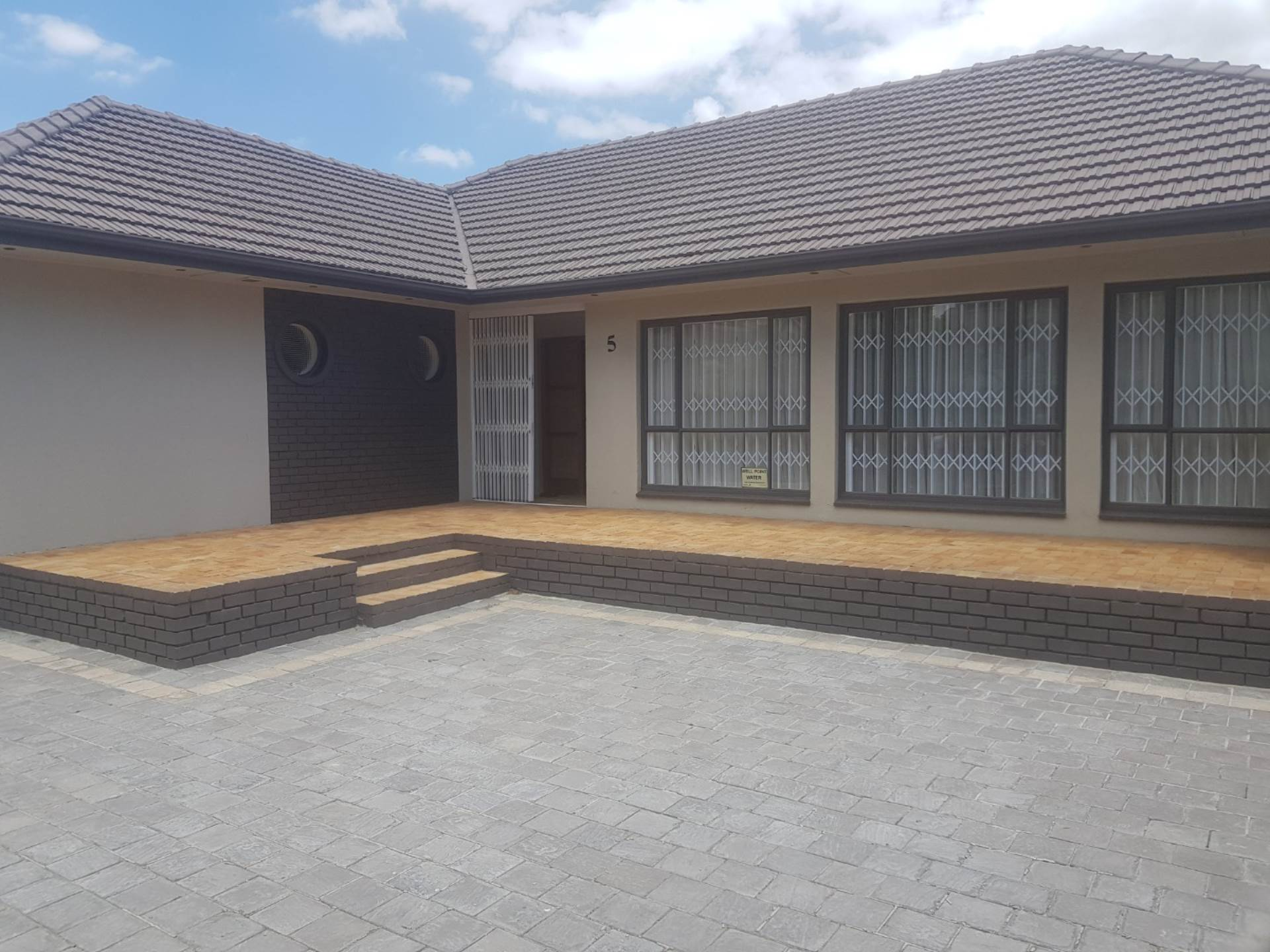 Property and Houses for sale in Milnerton, House, 3 Bedrooms - ZAR 2,979,000