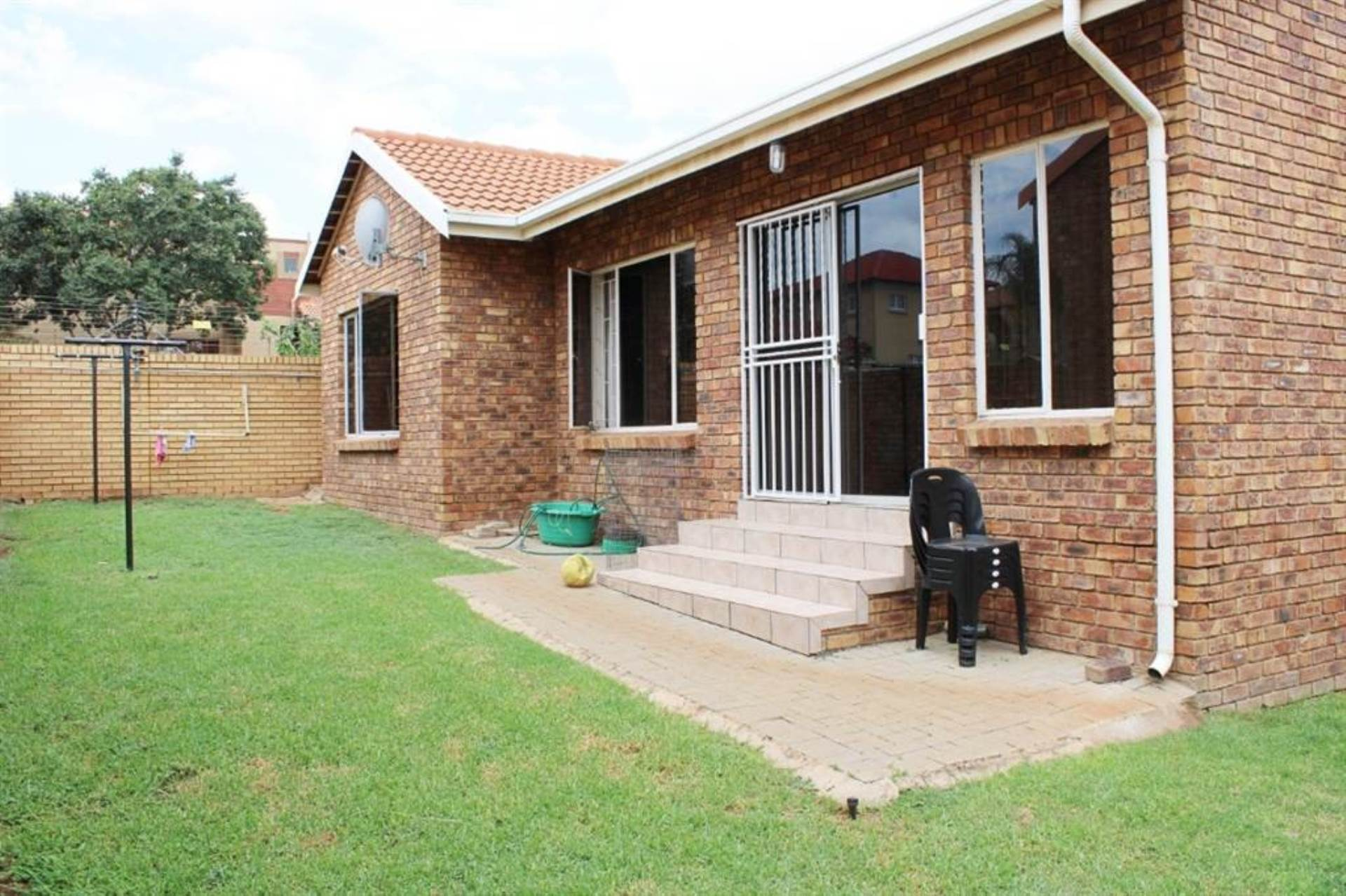 Property and Houses for sale in Amberfield, House, 3 Bedrooms - ZAR 1,529,000