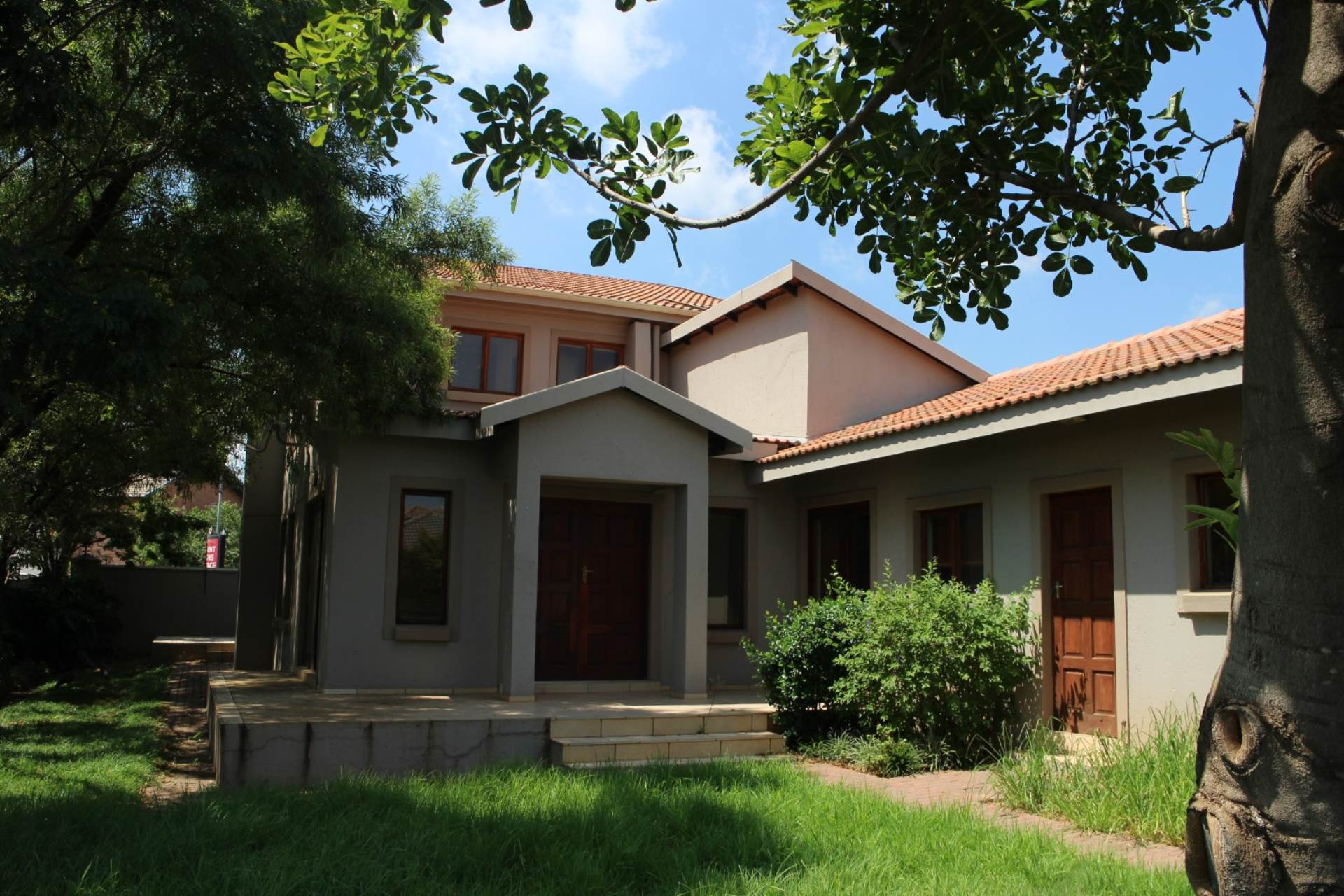 Property and Houses for sale in Leeuwenhof Estate, House, 4 Bedrooms - ZAR 1,840,000