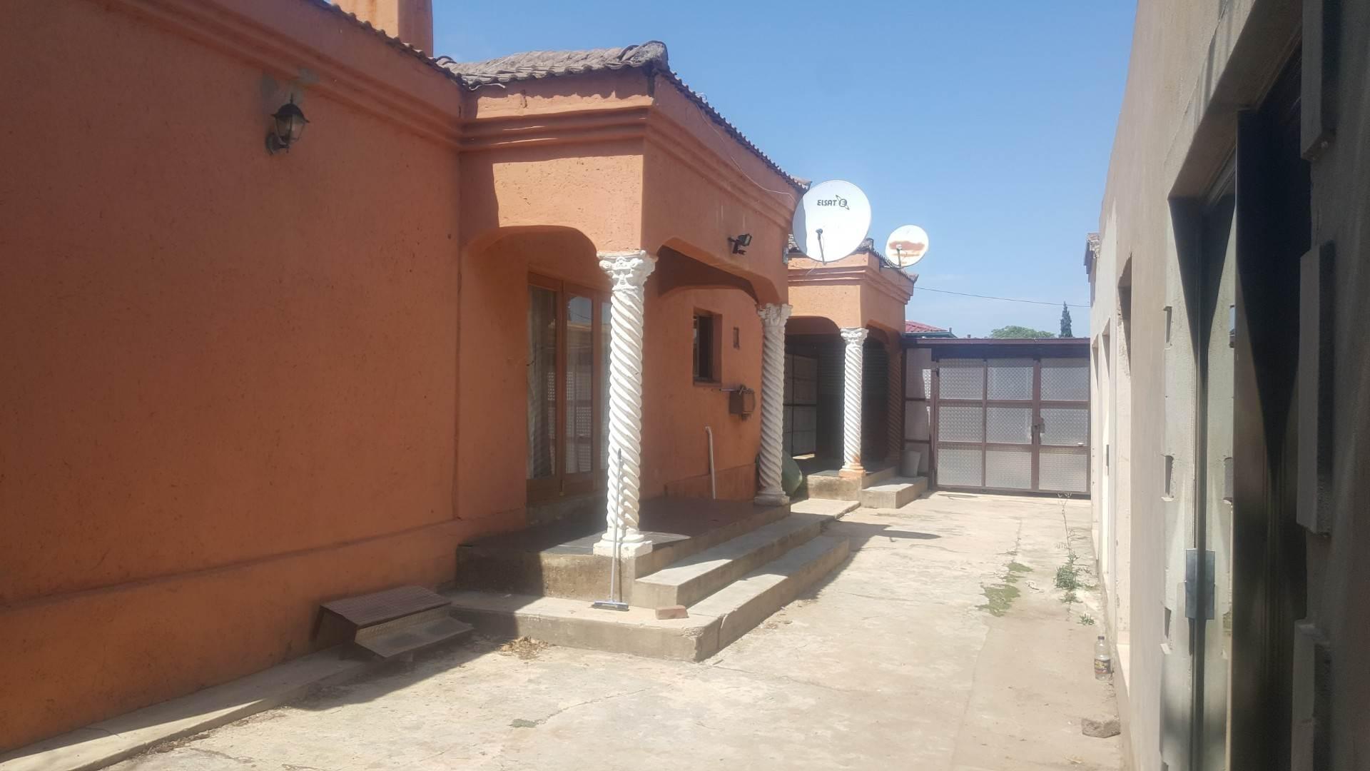 , House, 3 Bedrooms - ZAR 1,200,000