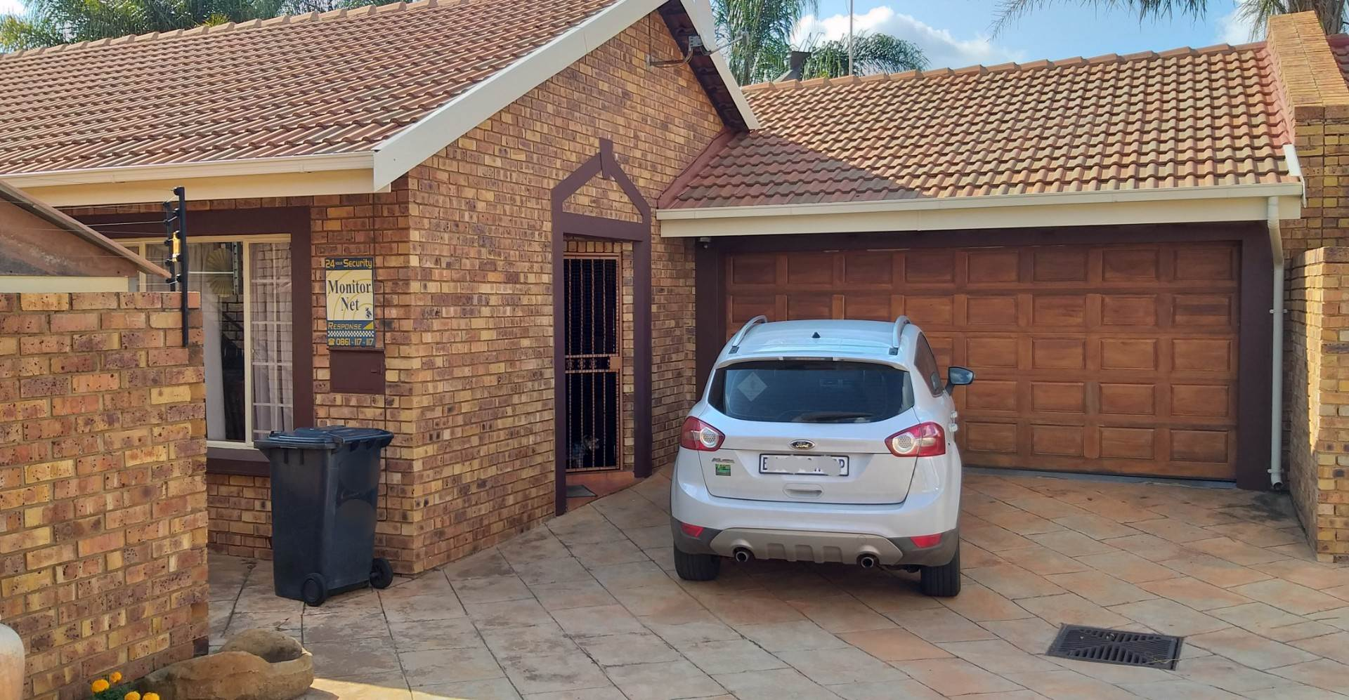 Property and Houses for sale in Amberfield, House, 3 Bedrooms - ZAR 1,590,000